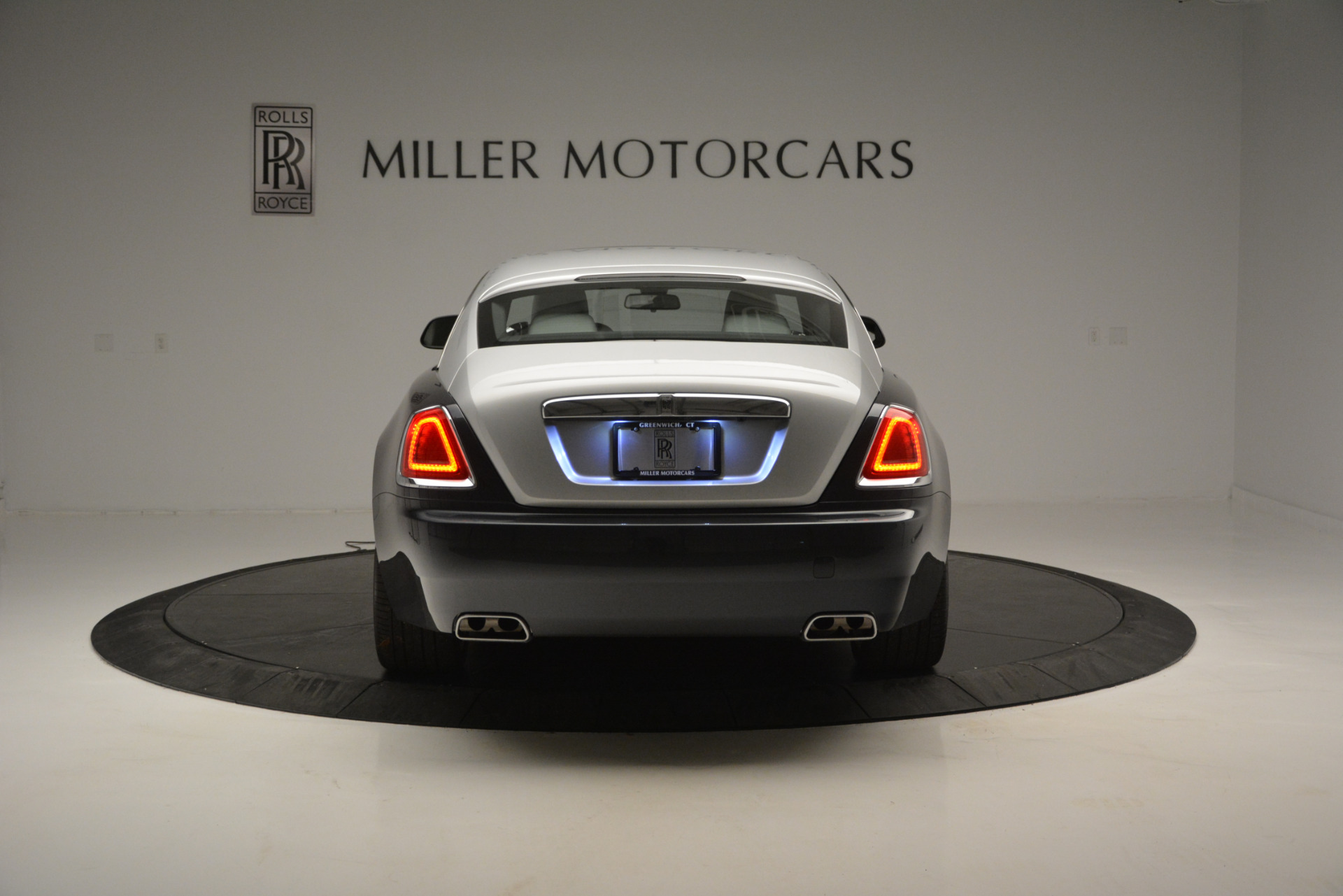 Used 2015 Rolls-Royce Wraith  For Sale In Westport, CT 2716_p4