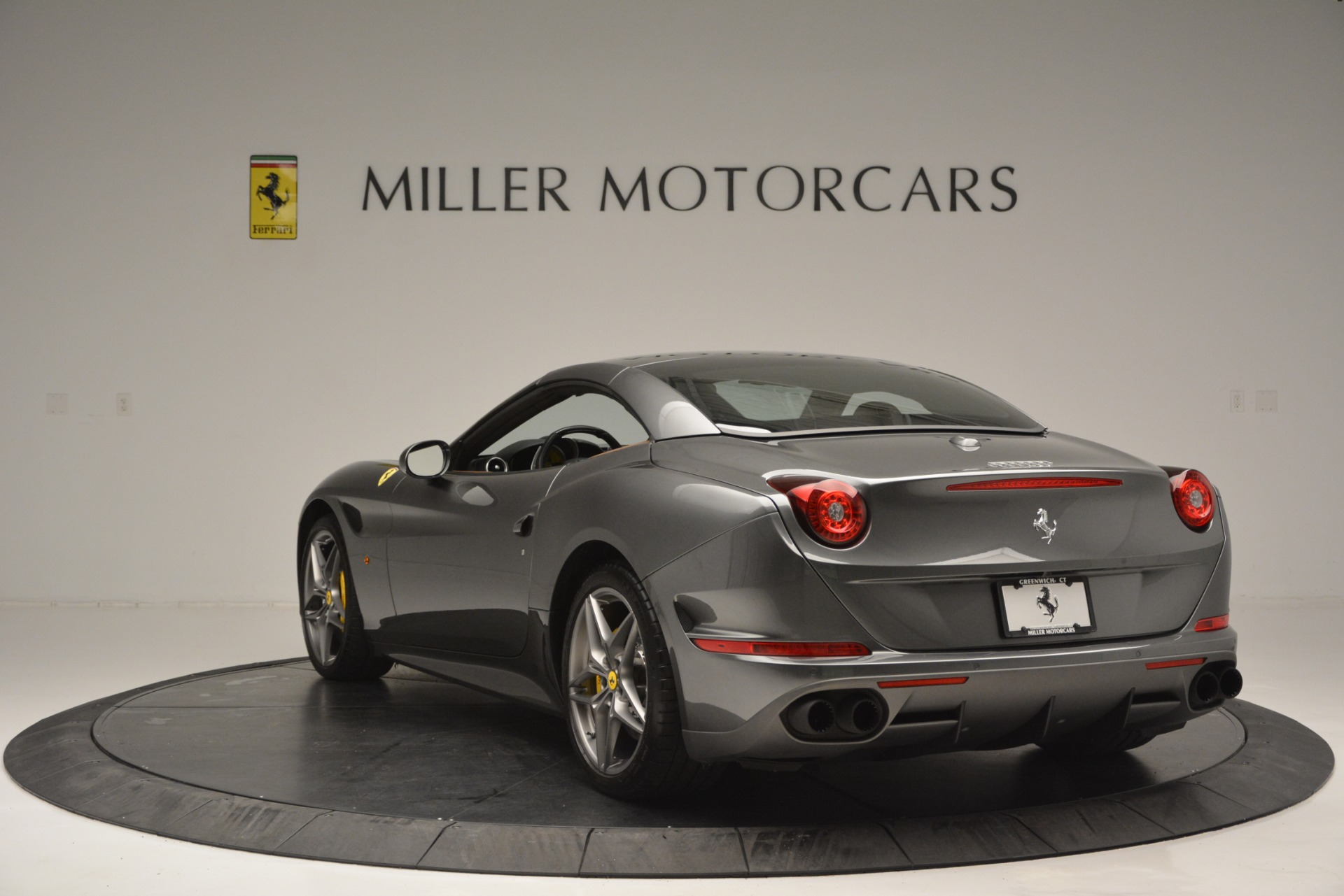 Used 2016 Ferrari California T Handling Speciale For Sale In Westport, CT 2721_p17