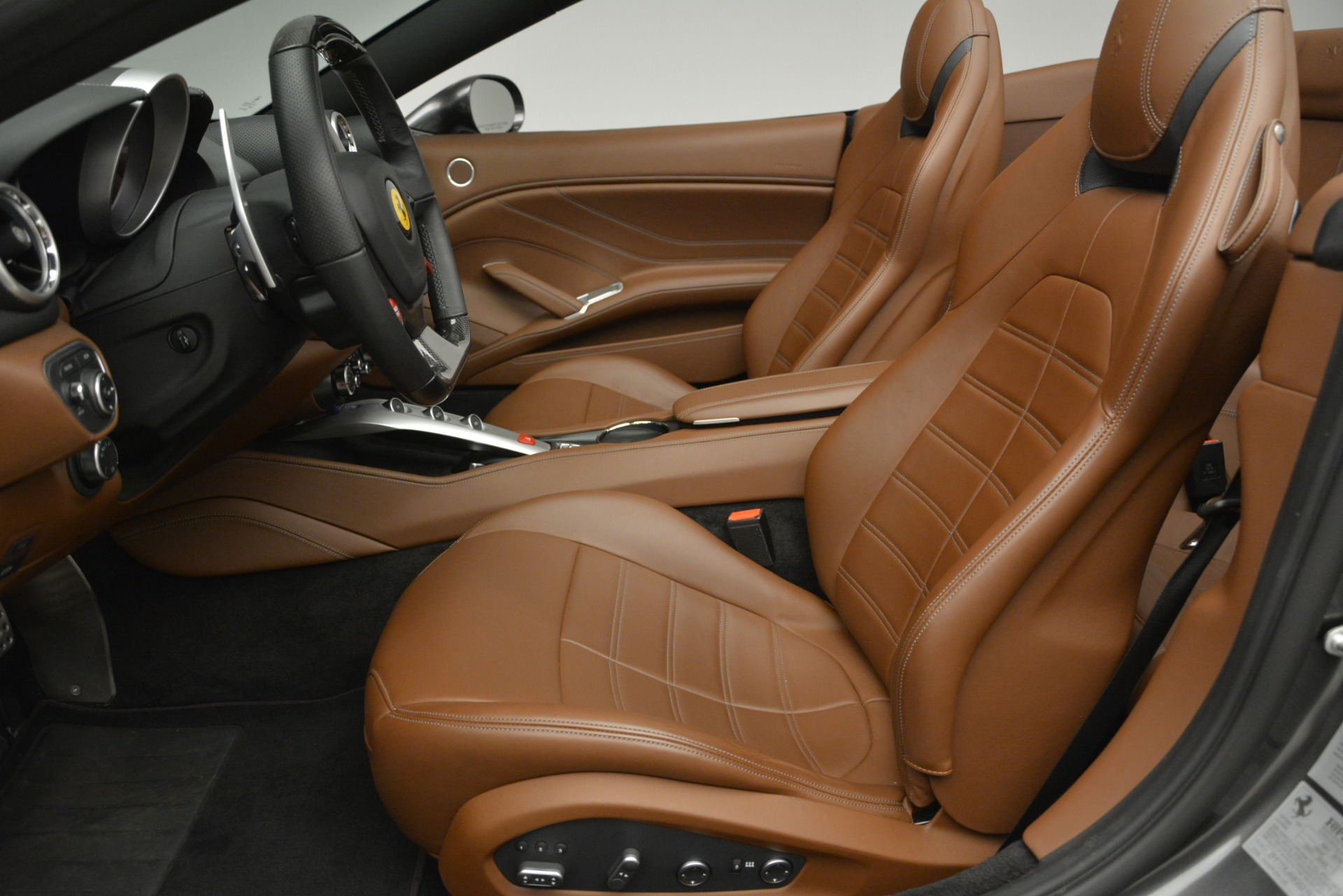 Used 2016 Ferrari California T Handling Speciale For Sale In Westport, CT 2721_p26