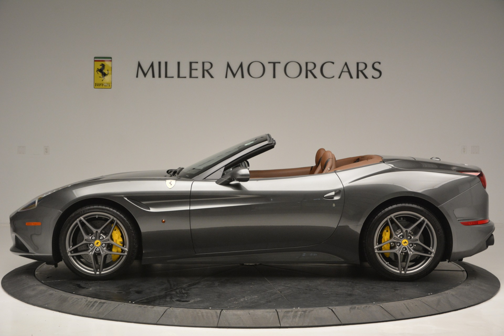 Used 2016 Ferrari California T Handling Speciale For Sale In Westport, CT 2721_p3