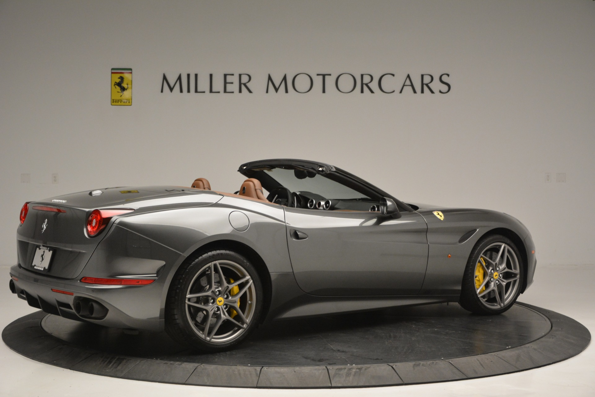 Used 2016 Ferrari California T Handling Speciale For Sale In Westport, CT 2721_p8