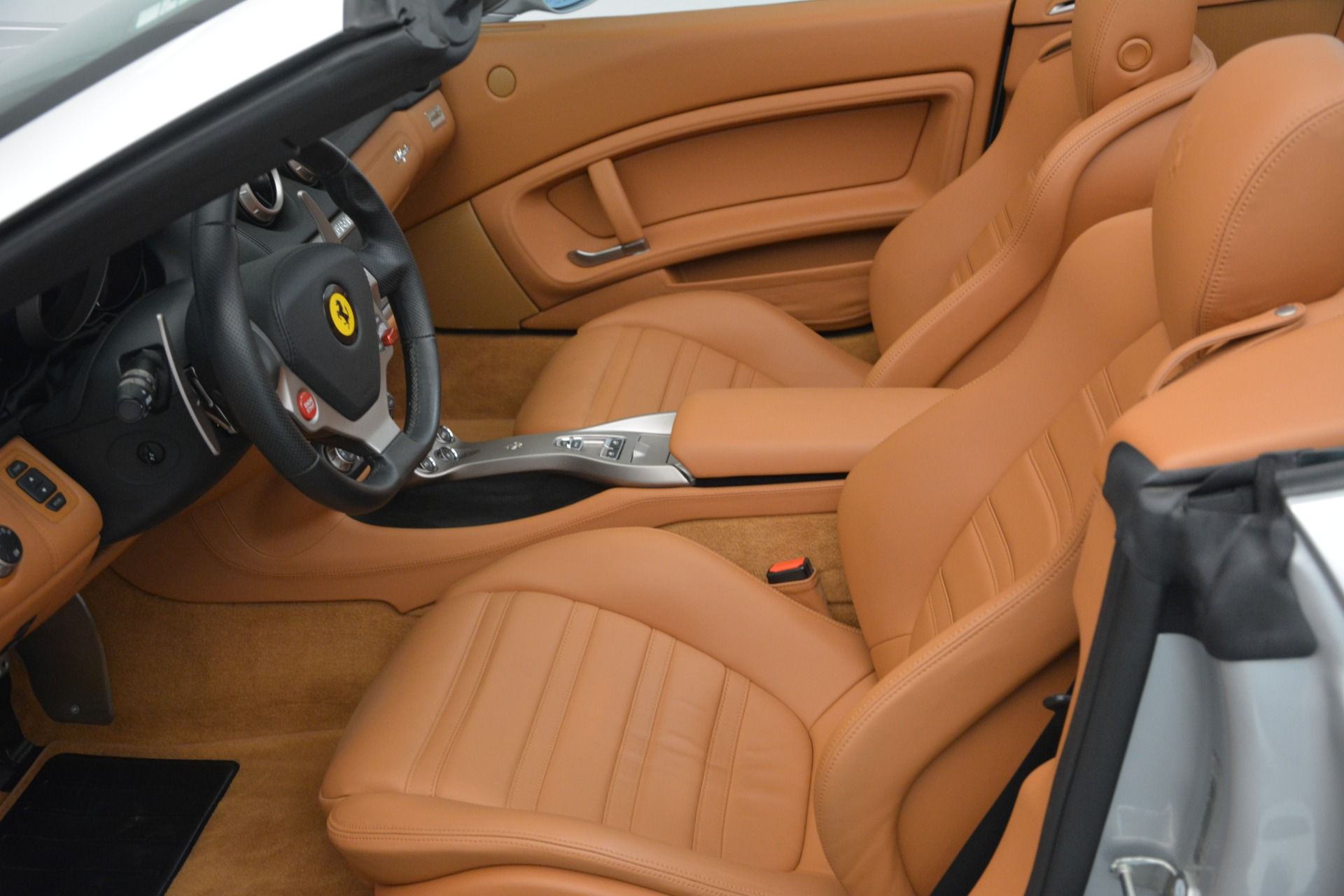 Used 2010 Ferrari California  For Sale In Westport, CT 2732_p28