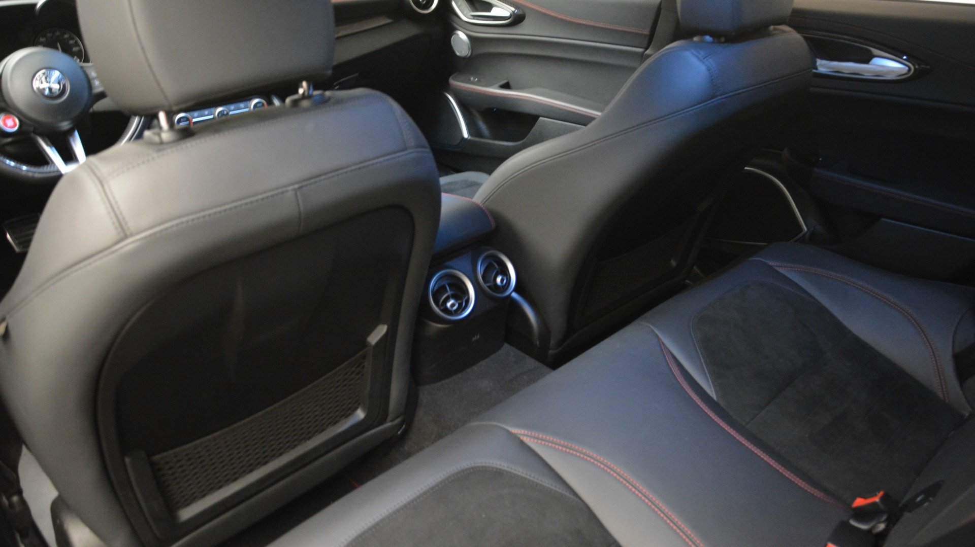 Used 2017 Alfa Romeo Giulia Quadrifoglio  For Sale In Westport, CT 2733_p20