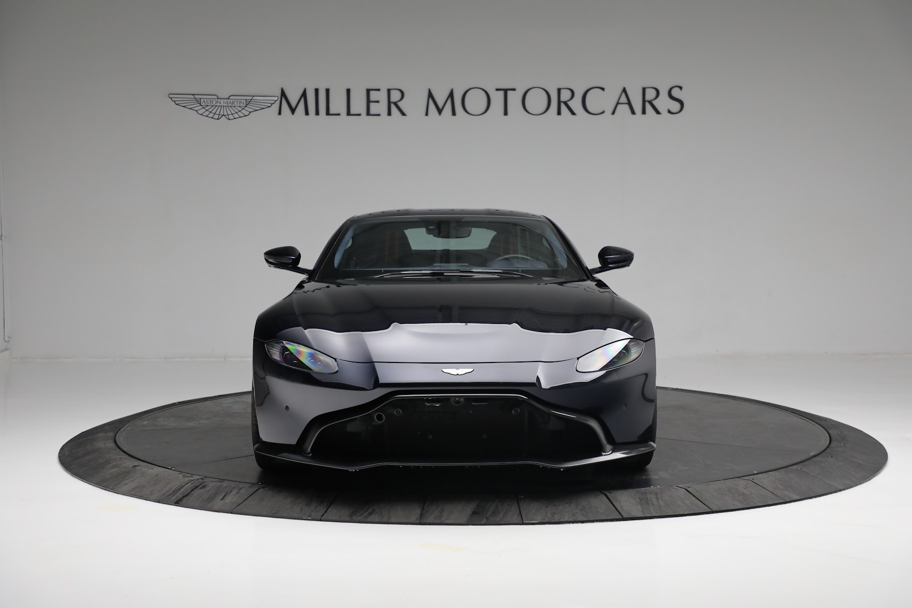 New 2019 Aston Martin Vantage  For Sale In Westport, CT 2756_p11