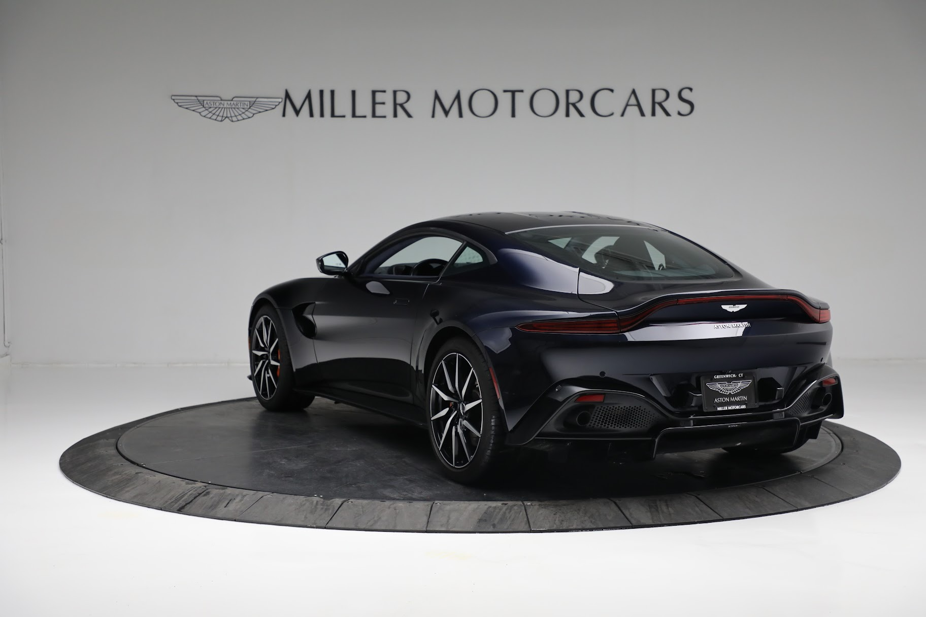 New 2019 Aston Martin Vantage  For Sale In Westport, CT 2756_p4