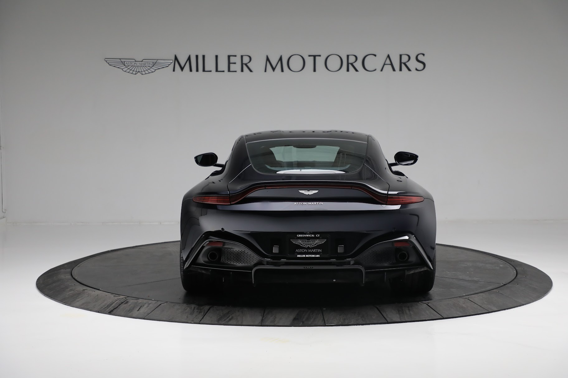 New 2019 Aston Martin Vantage  For Sale In Westport, CT 2756_p5