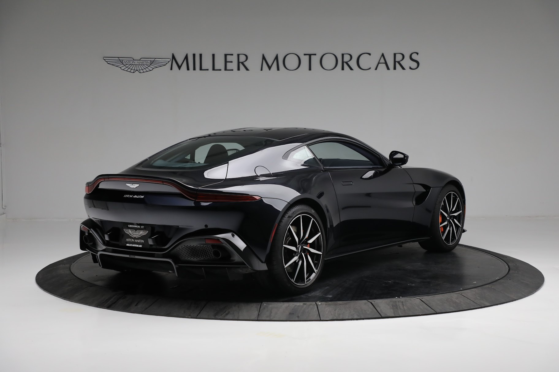 New 2019 Aston Martin Vantage  For Sale In Westport, CT 2756_p7