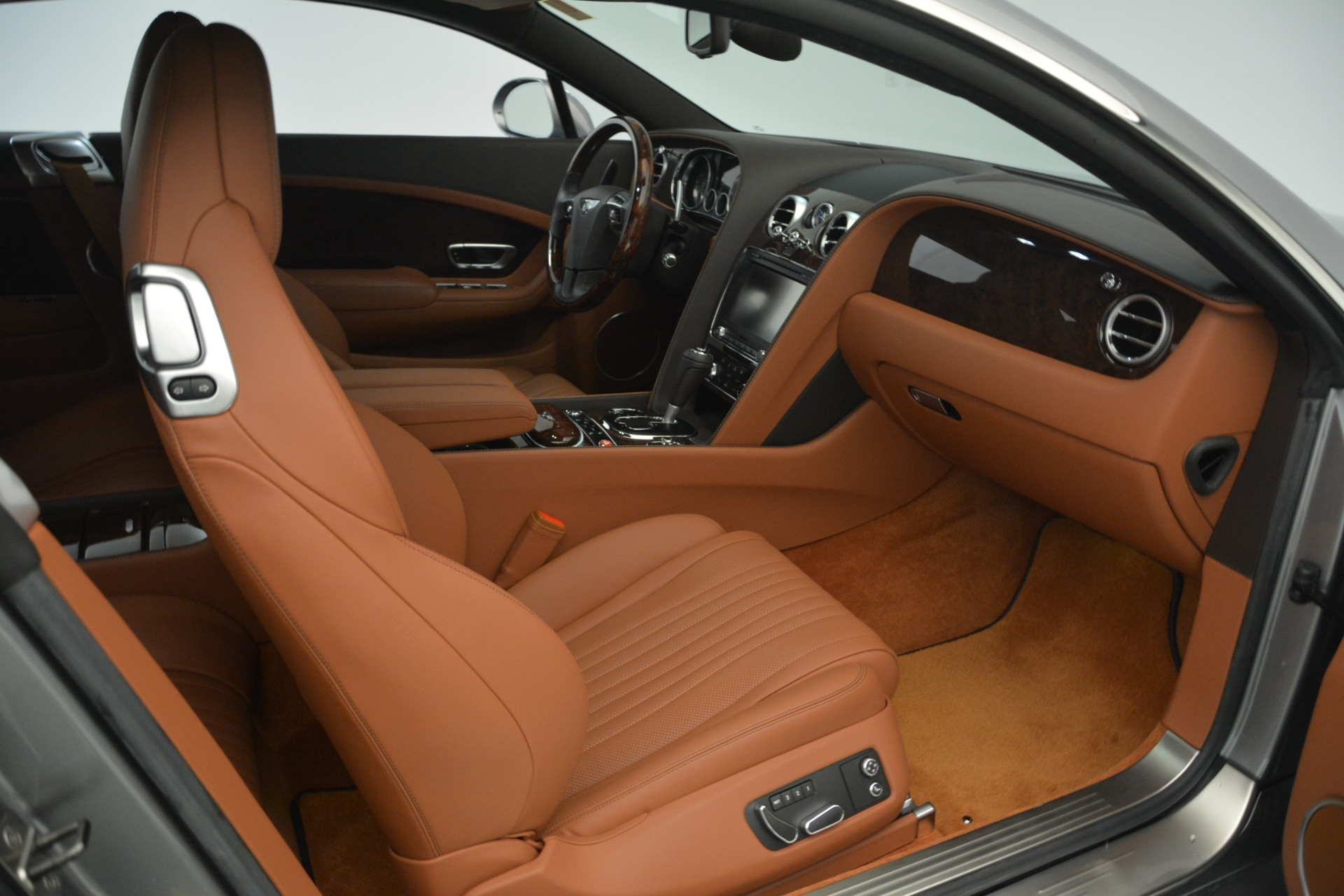 Used 2016 Bentley Continental GT W12 For Sale In Westport, CT 2757_p28