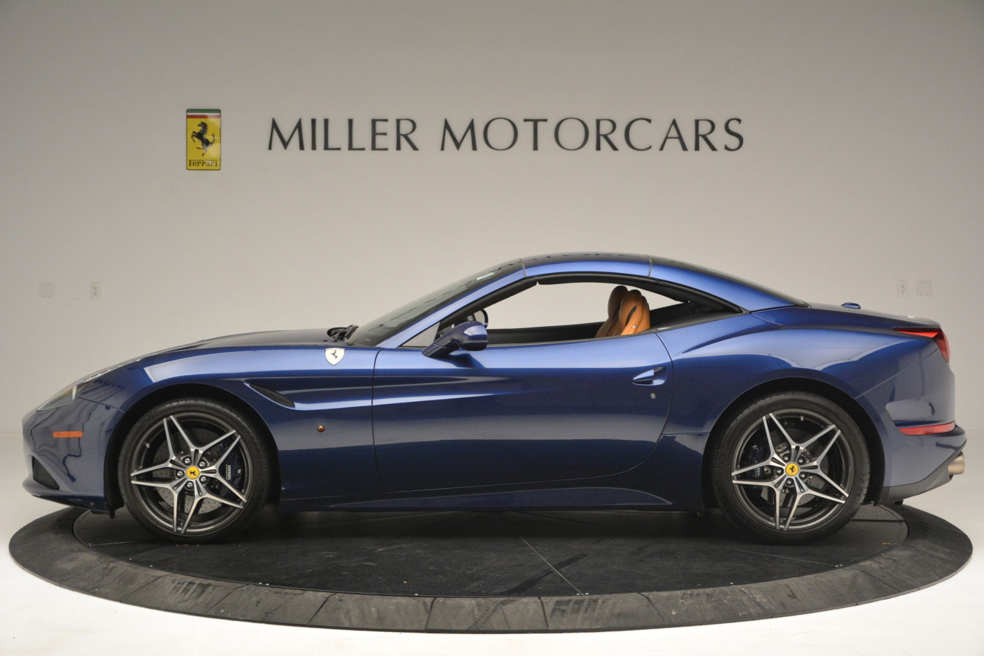 Used 2016 Ferrari California T  For Sale In Westport, CT 2773_p15