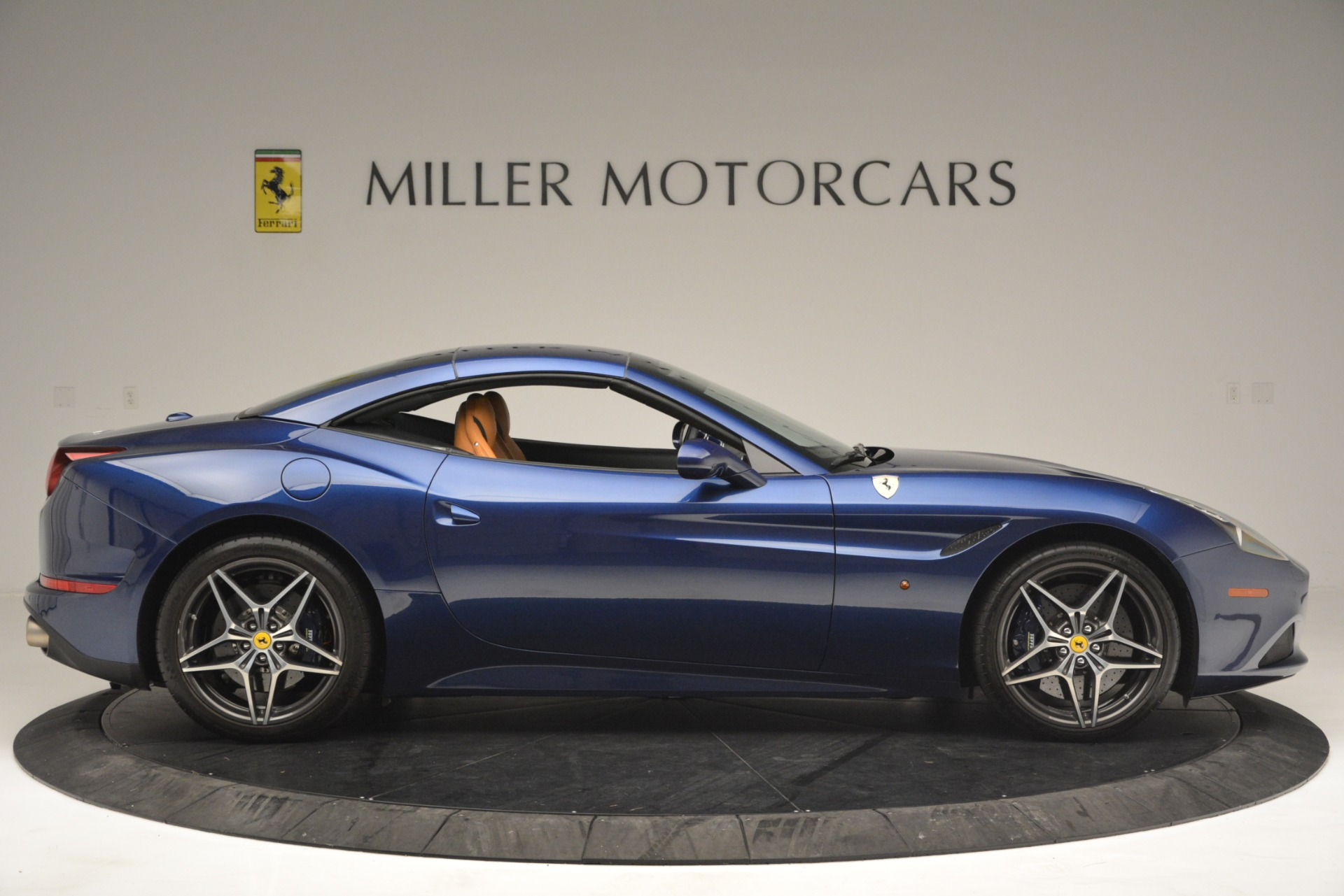Used 2016 Ferrari California T  For Sale In Westport, CT 2773_p21