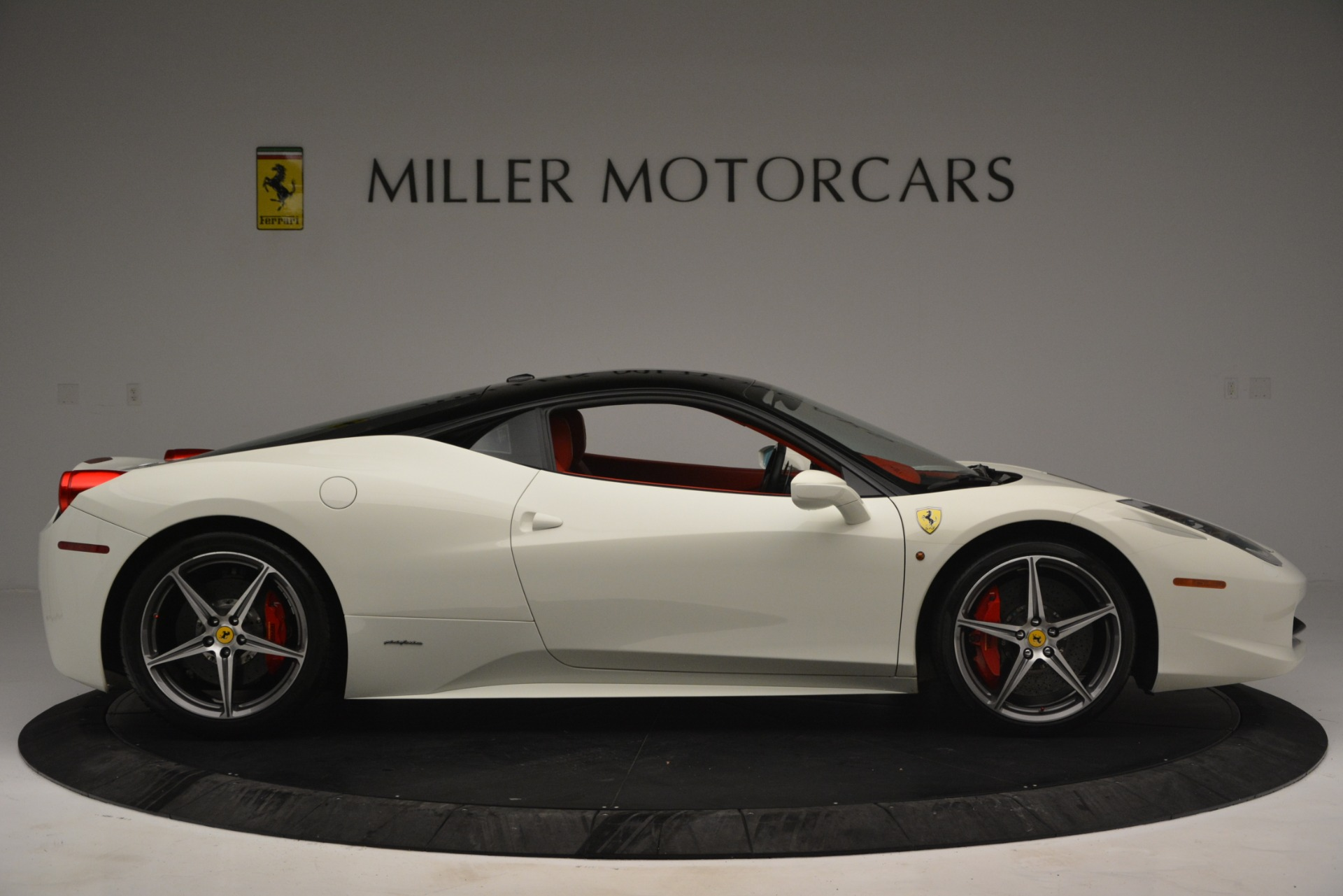 Used 2012 Ferrari 458 Italia  For Sale In Westport, CT 2781_p9
