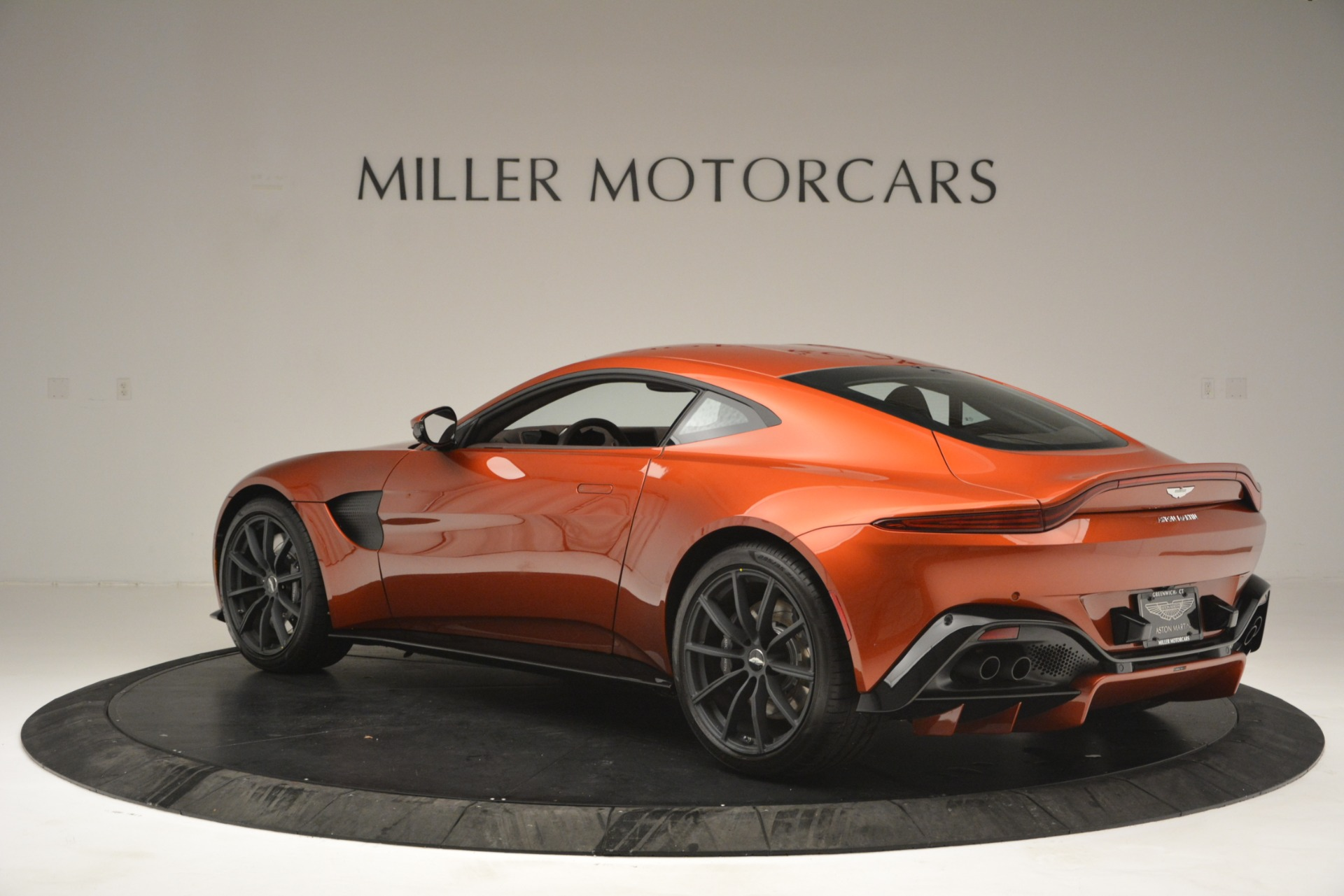 Used 2019 Aston Martin Vantage Coupe For Sale In Westport, CT 2784_p4
