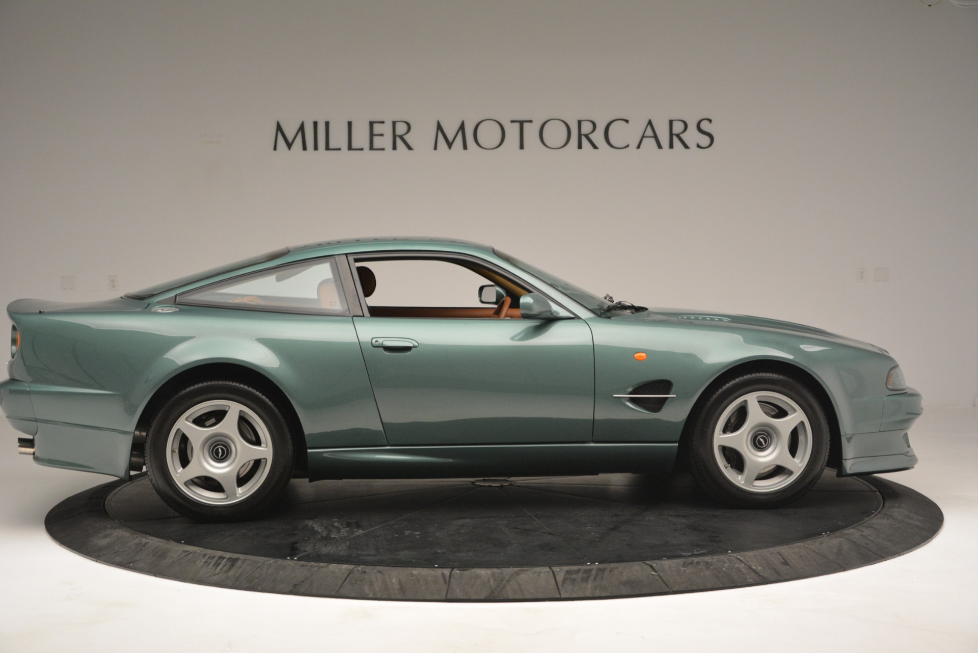 Used 1999 Aston Martin V8 Vantage Le Mans V600 Coupe For Sale In Westport, CT 2789_p10