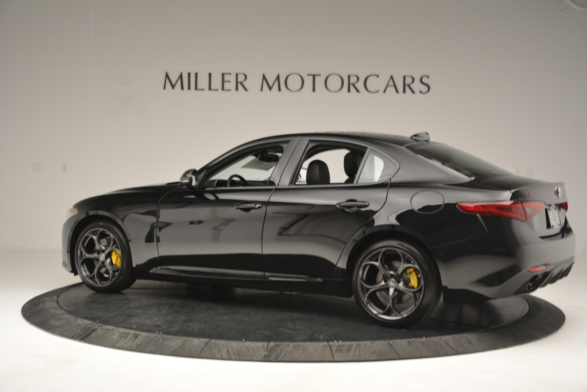 New 2019 Alfa Romeo Giulia Ti Sport Q4 For Sale In Westport, CT 2825_p4