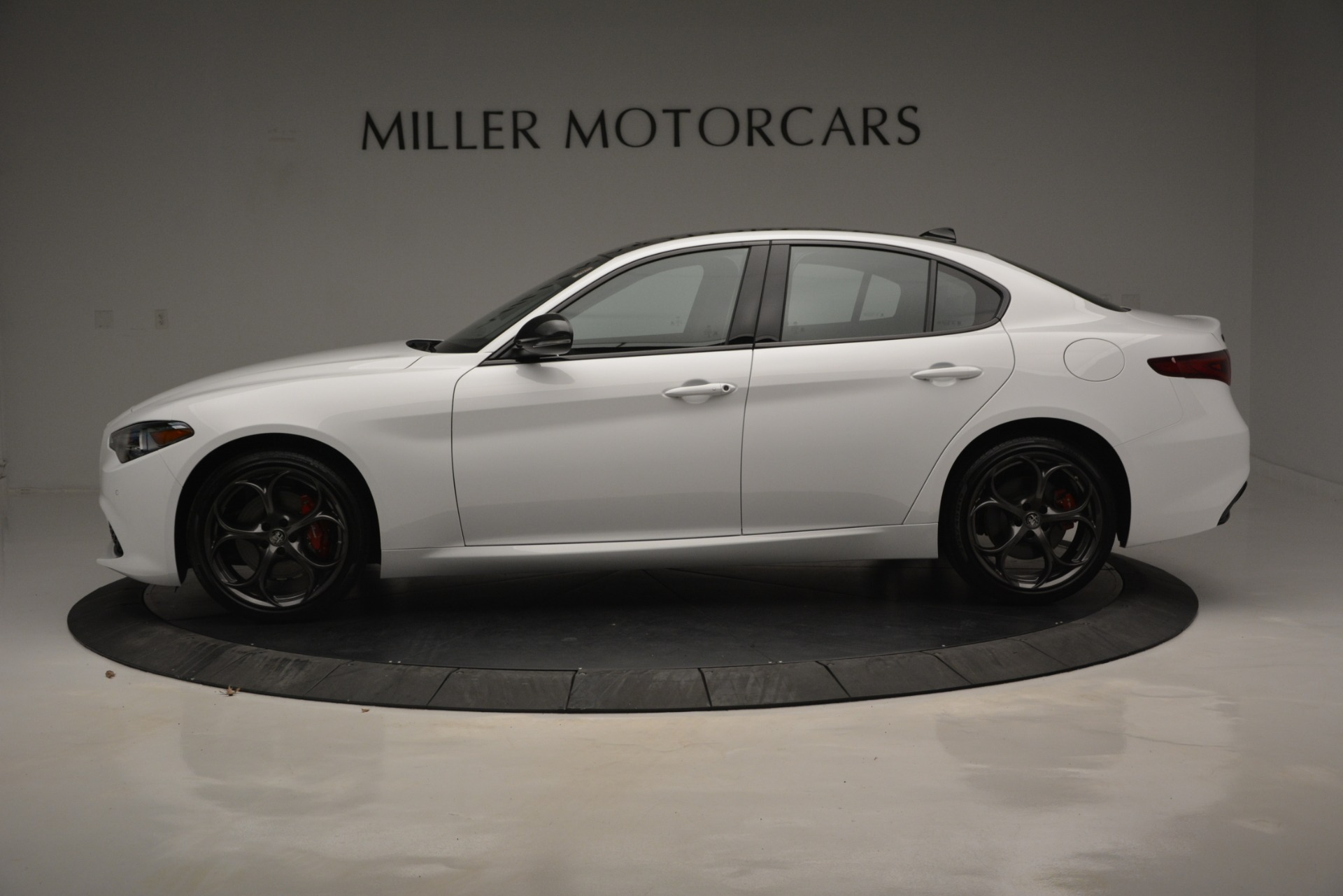 New 2019 Alfa Romeo Giulia Ti Sport Q4 For Sale In Westport, CT 2826_p4