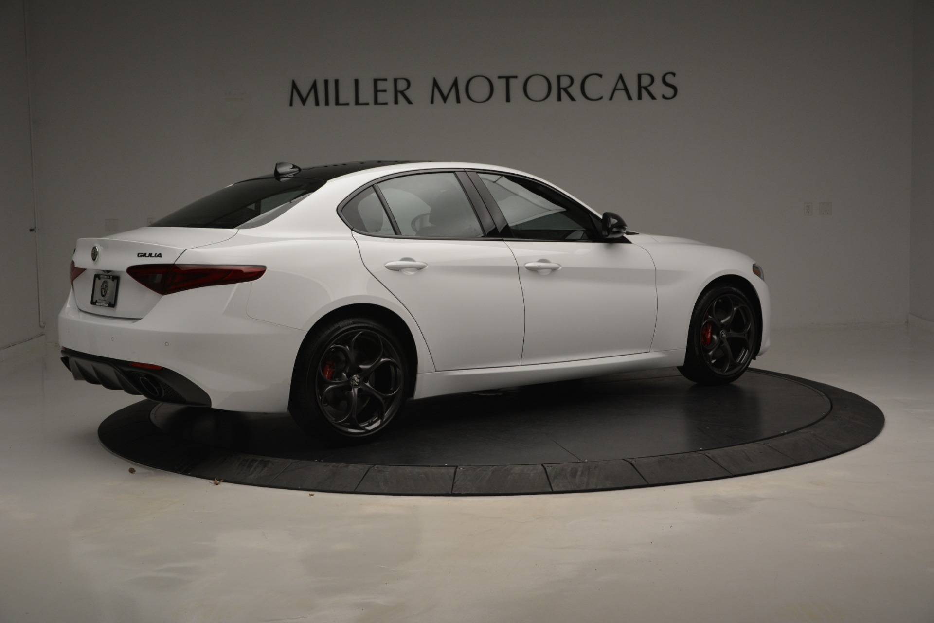 New 2019 Alfa Romeo Giulia Ti Sport Q4 For Sale In Westport, CT 2826_p9