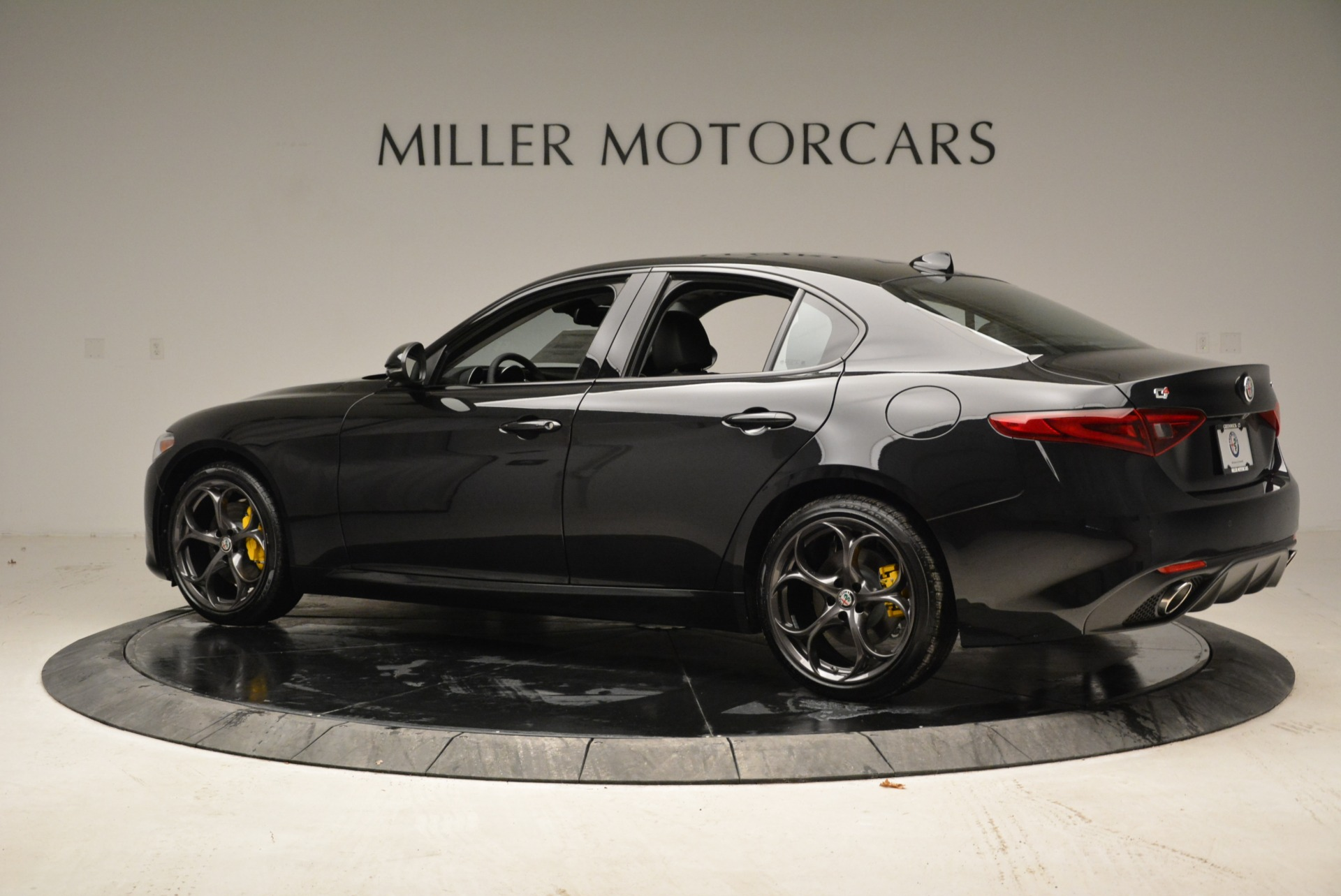 New 2019 Alfa Romeo Giulia Ti Sport Q4 For Sale In Westport, CT 2840_p4