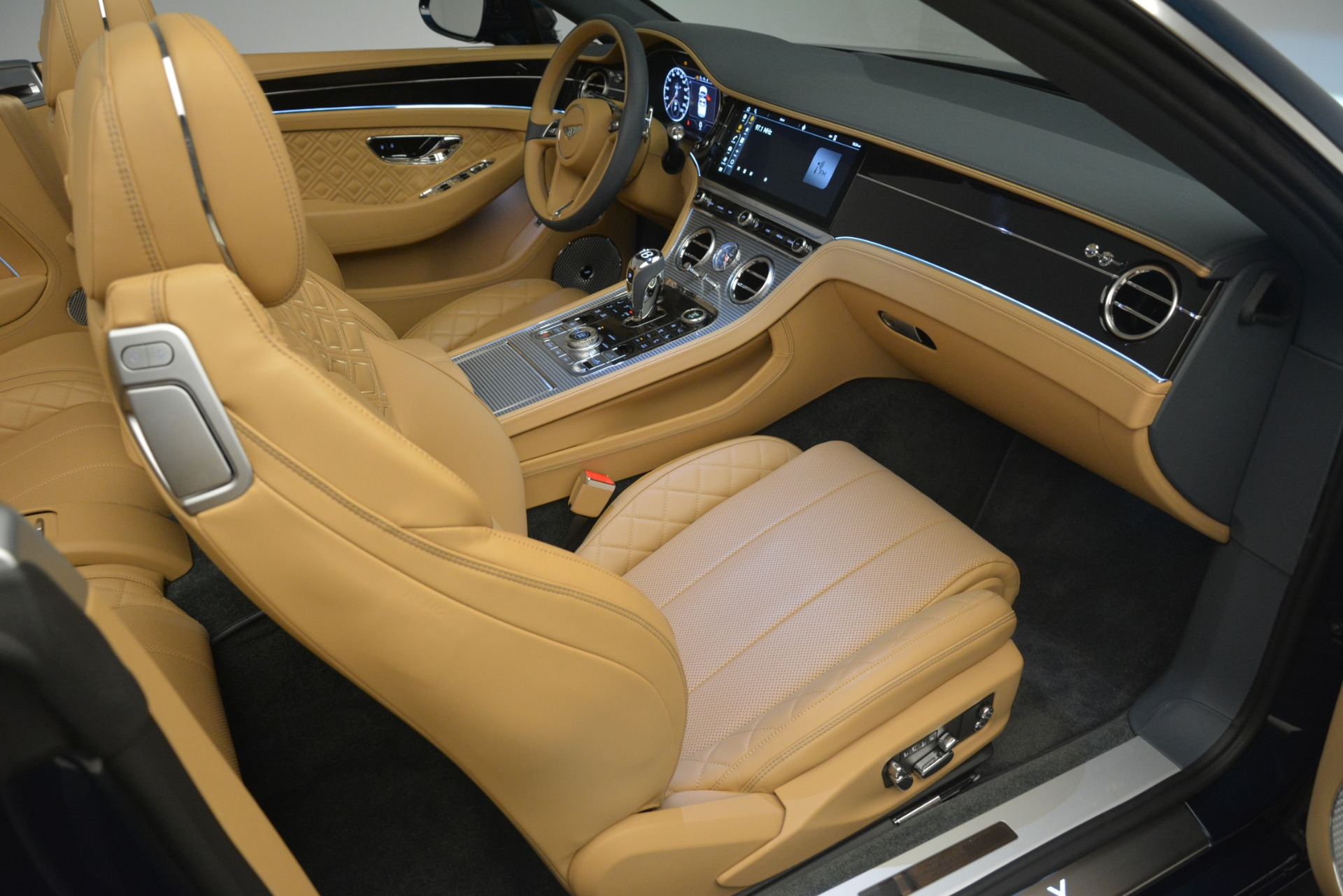 New 2020 Bentley Continental GTC  For Sale In Westport, CT 2865_p38