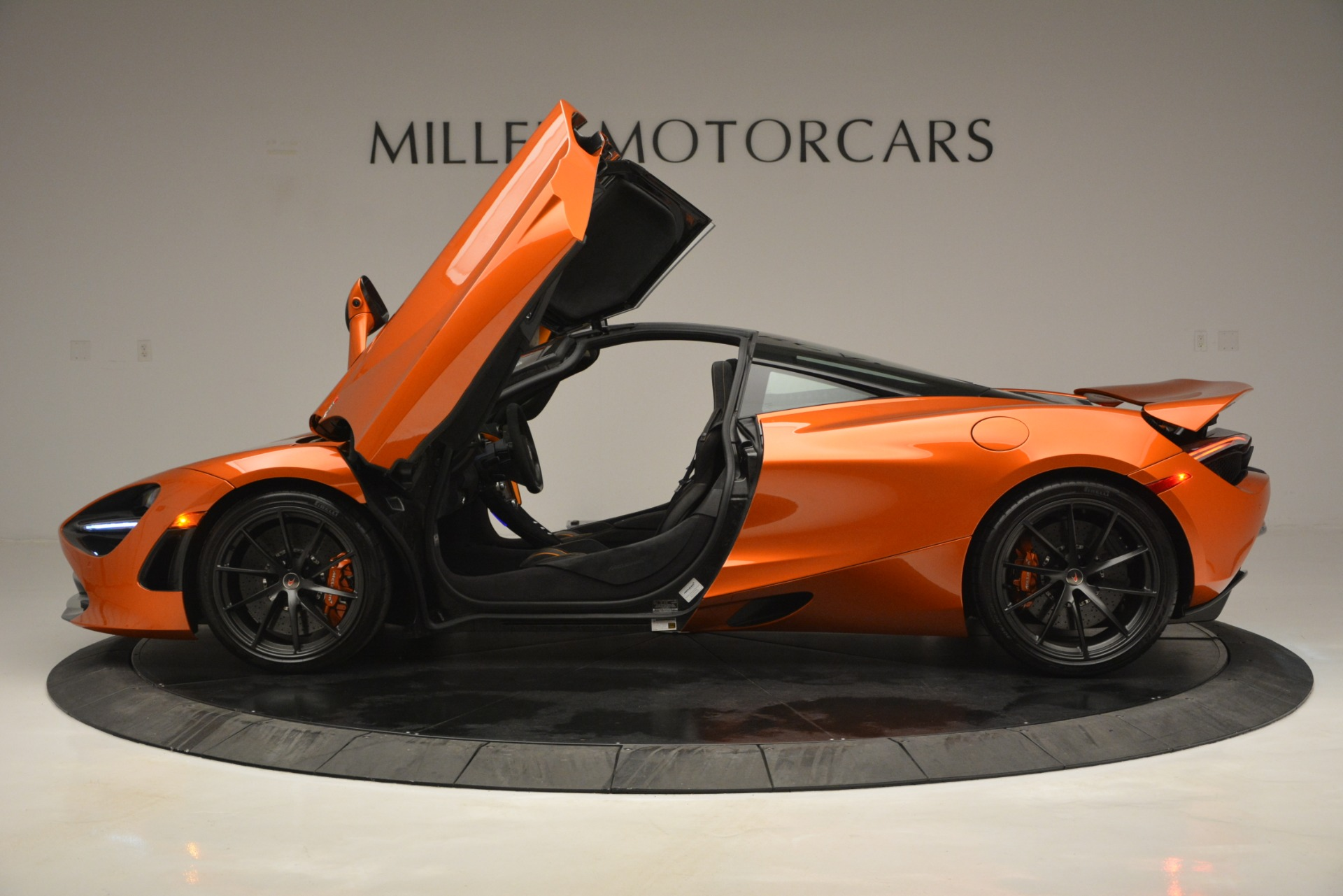 Used 2018 McLaren 720S Coupe For Sale In Westport, CT 2870_p15