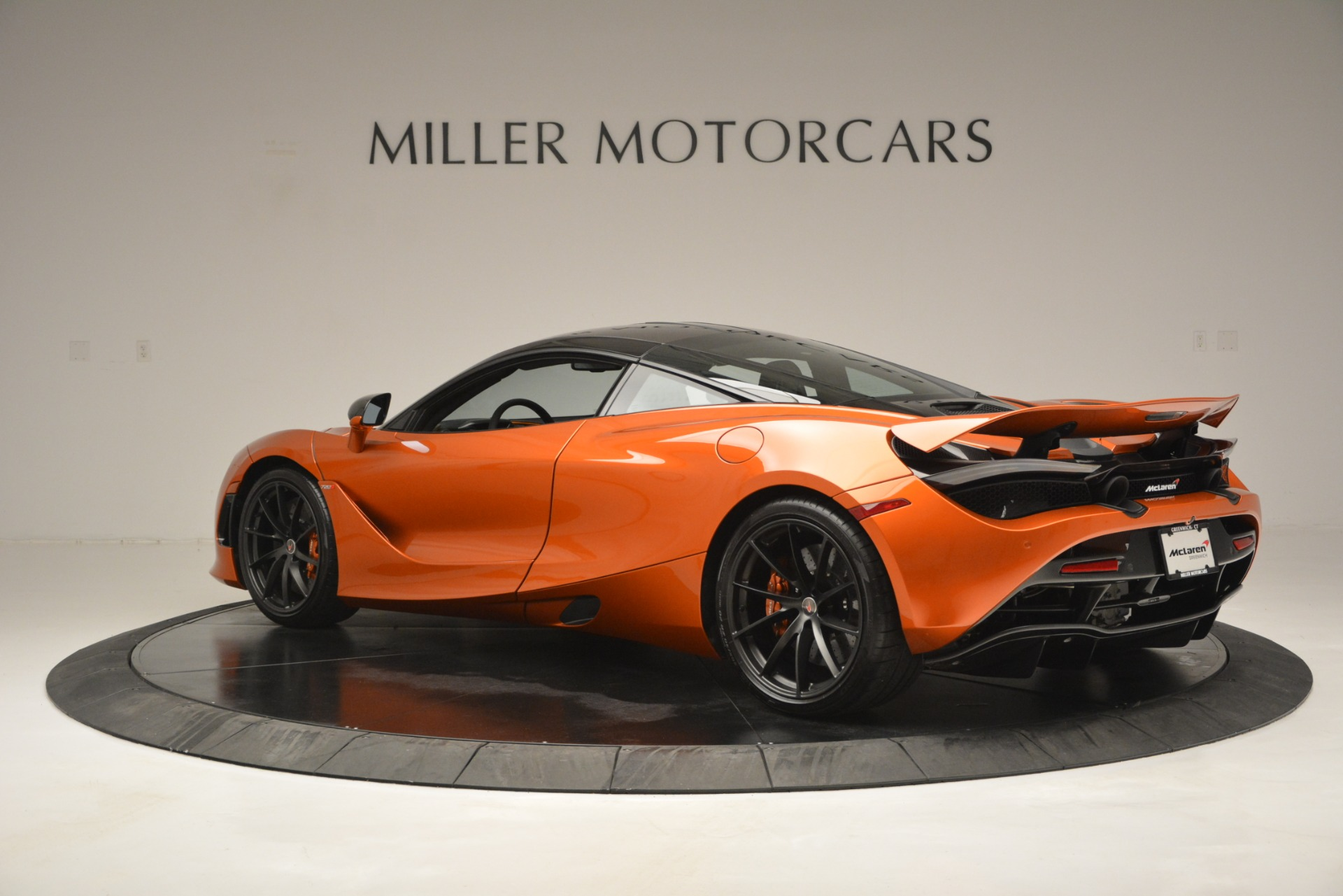 Used 2018 McLaren 720S Coupe For Sale In Westport, CT 2870_p4