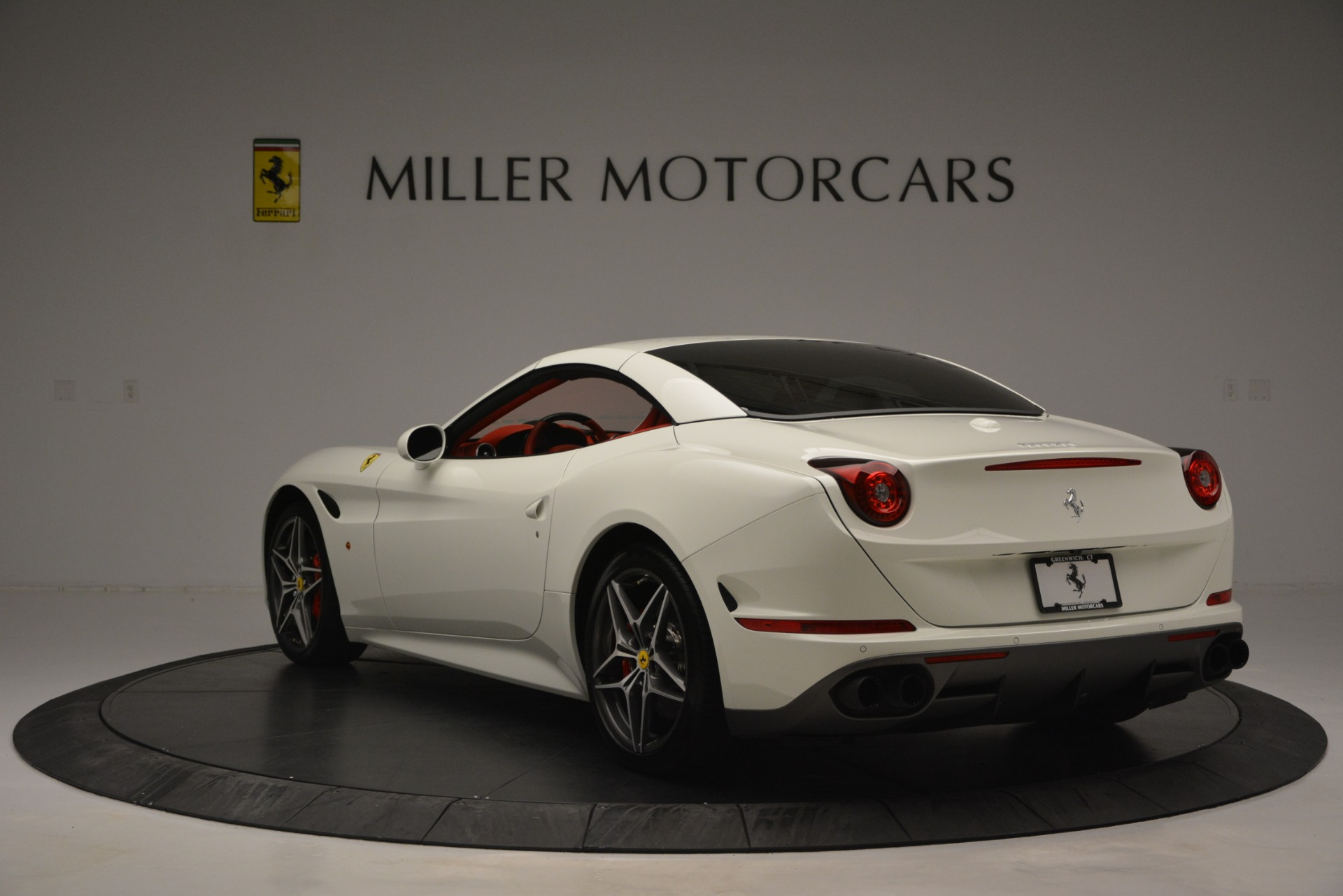 Used 2017 Ferrari California T Handling Speciale For Sale In Westport, CT 2881_p17