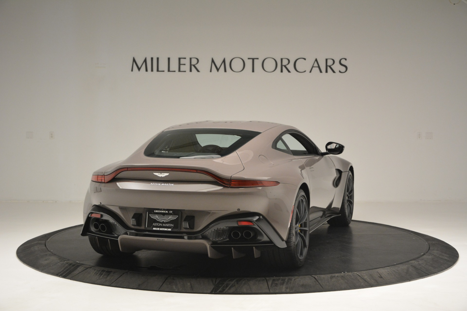 Used 2019 Aston Martin Vantage Coupe For Sale In Westport, CT 2901_p3