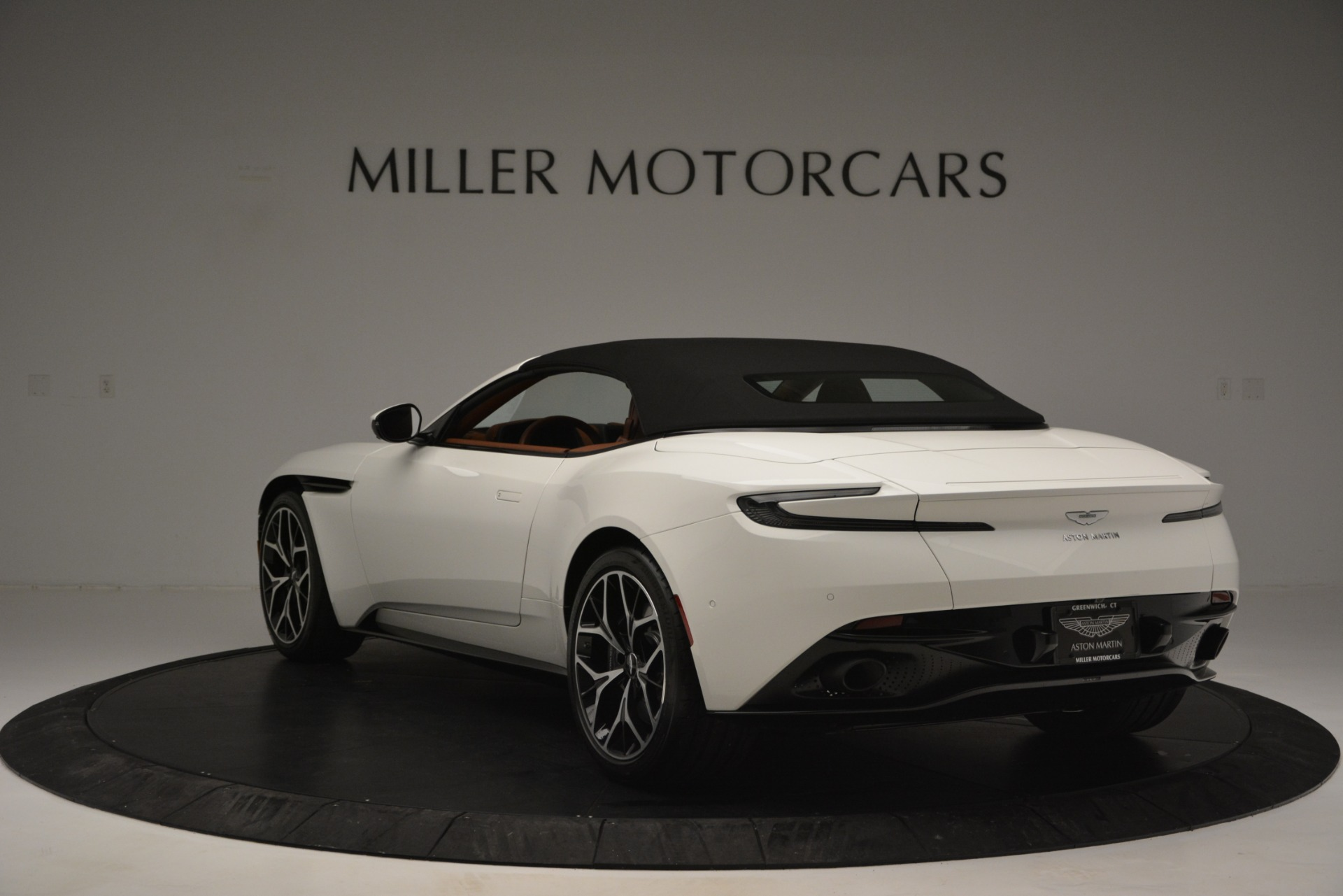 New 2019 Aston Martin DB11 V8 Convertible For Sale In Westport, CT 2903_p17