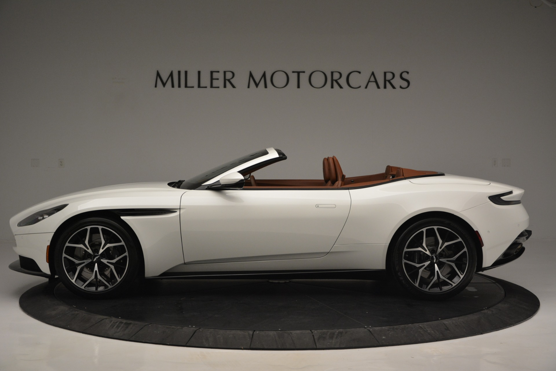 New 2019 Aston Martin DB11 V8 Convertible For Sale In Westport, CT 2903_p3