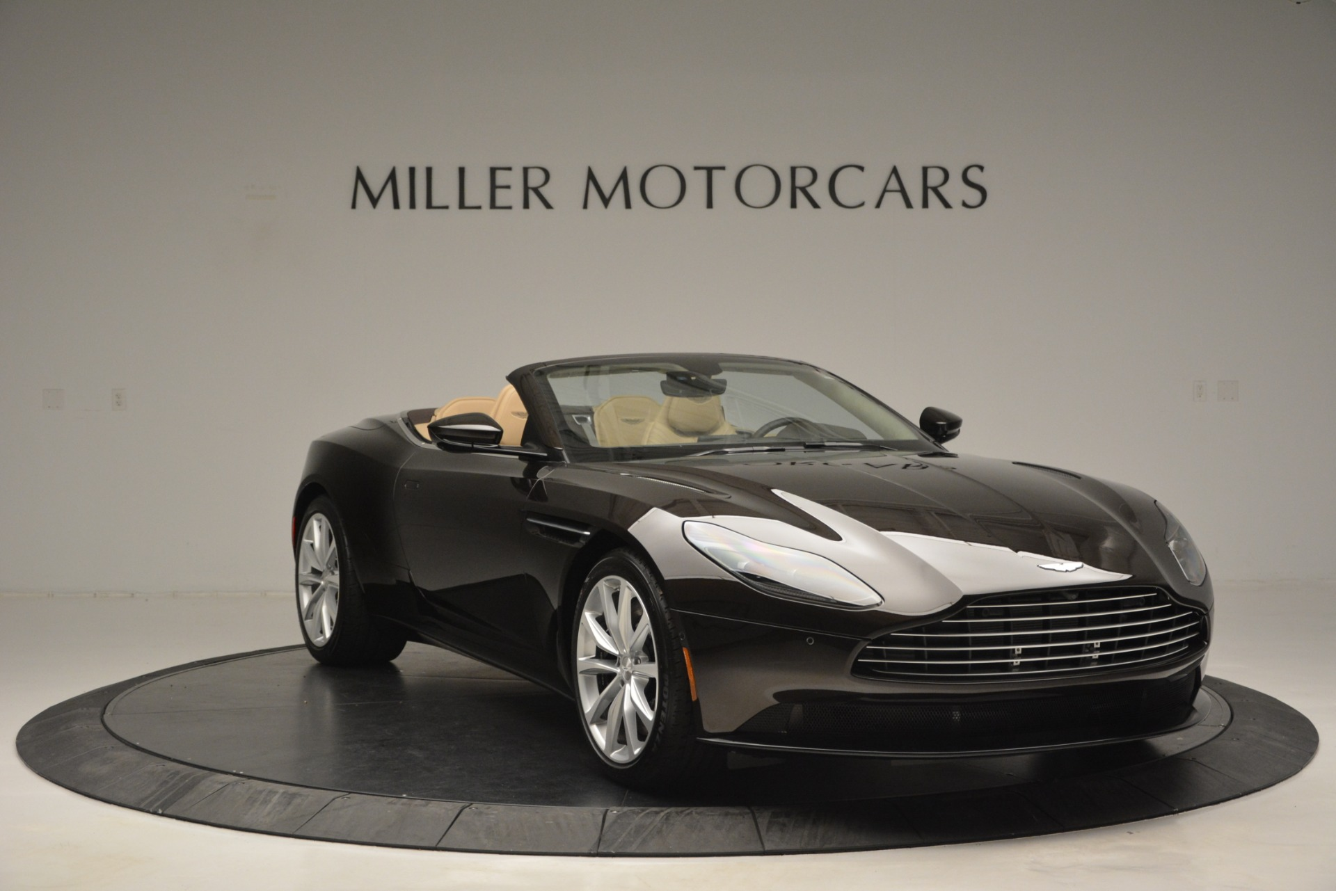 New 2019 Aston Martin DB11 Volante For Sale In Westport, CT 2905_p11