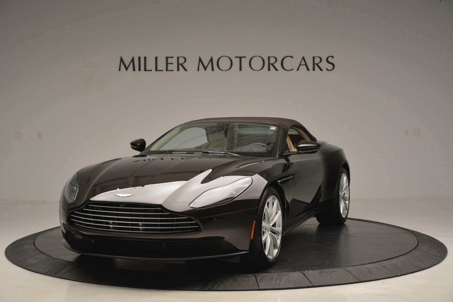 New 2019 Aston Martin DB11 Volante For Sale In Westport, CT 2905_p13
