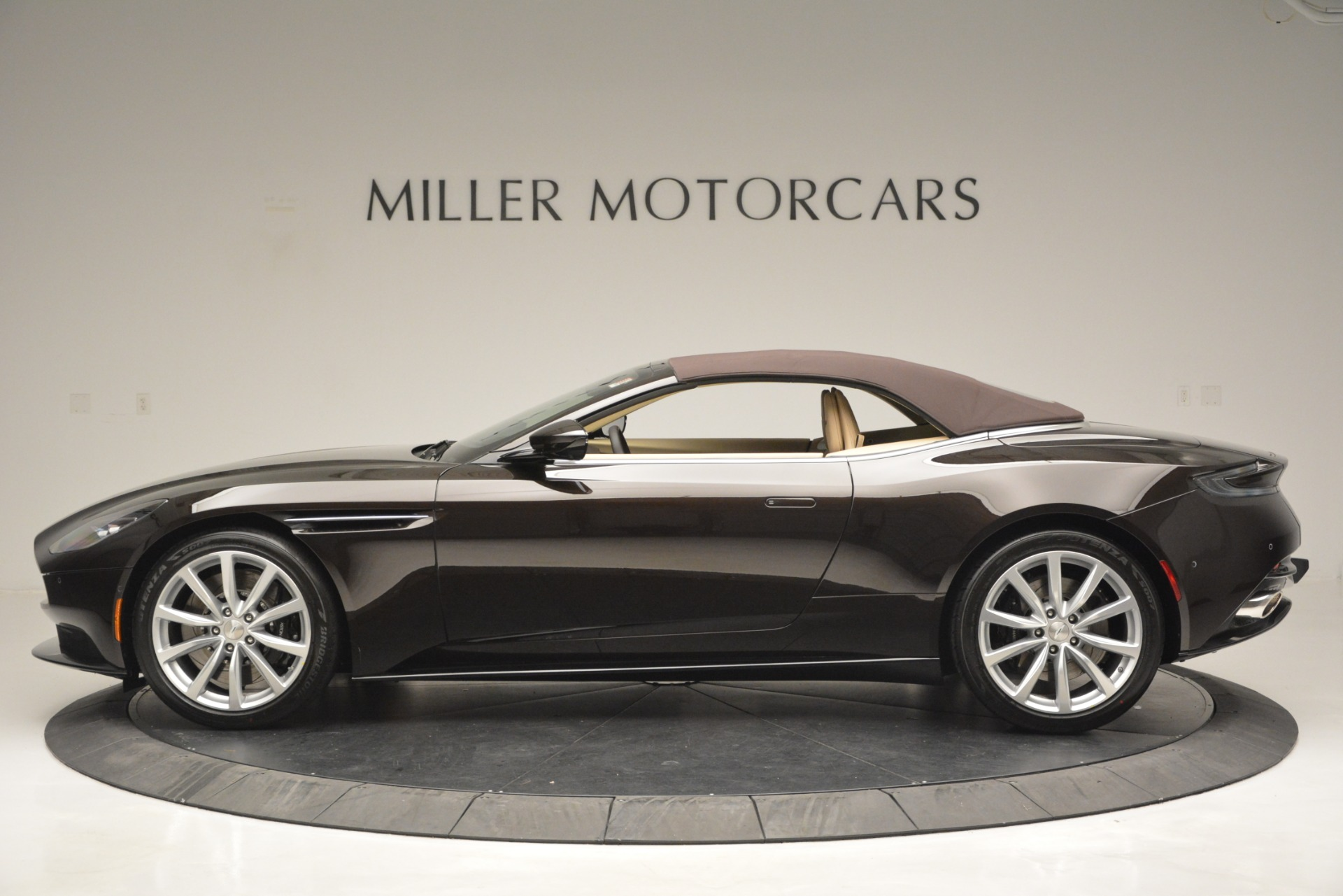 New 2019 Aston Martin DB11 Volante For Sale In Westport, CT 2905_p15