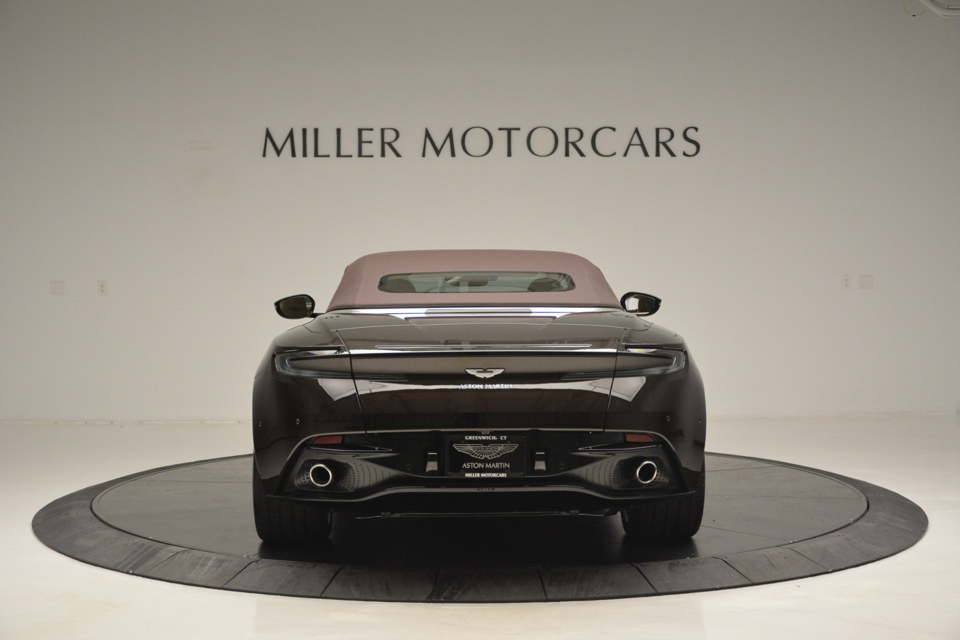 New 2019 Aston Martin DB11 Volante For Sale In Westport, CT 2905_p18