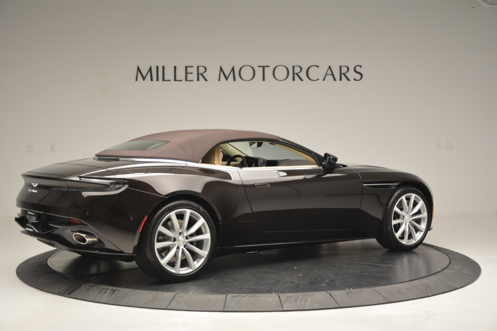 New 2019 Aston Martin DB11 Volante For Sale In Westport, CT 2905_p20