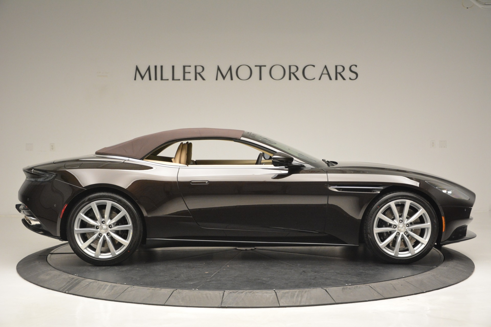 New 2019 Aston Martin DB11 Volante For Sale In Westport, CT 2905_p21