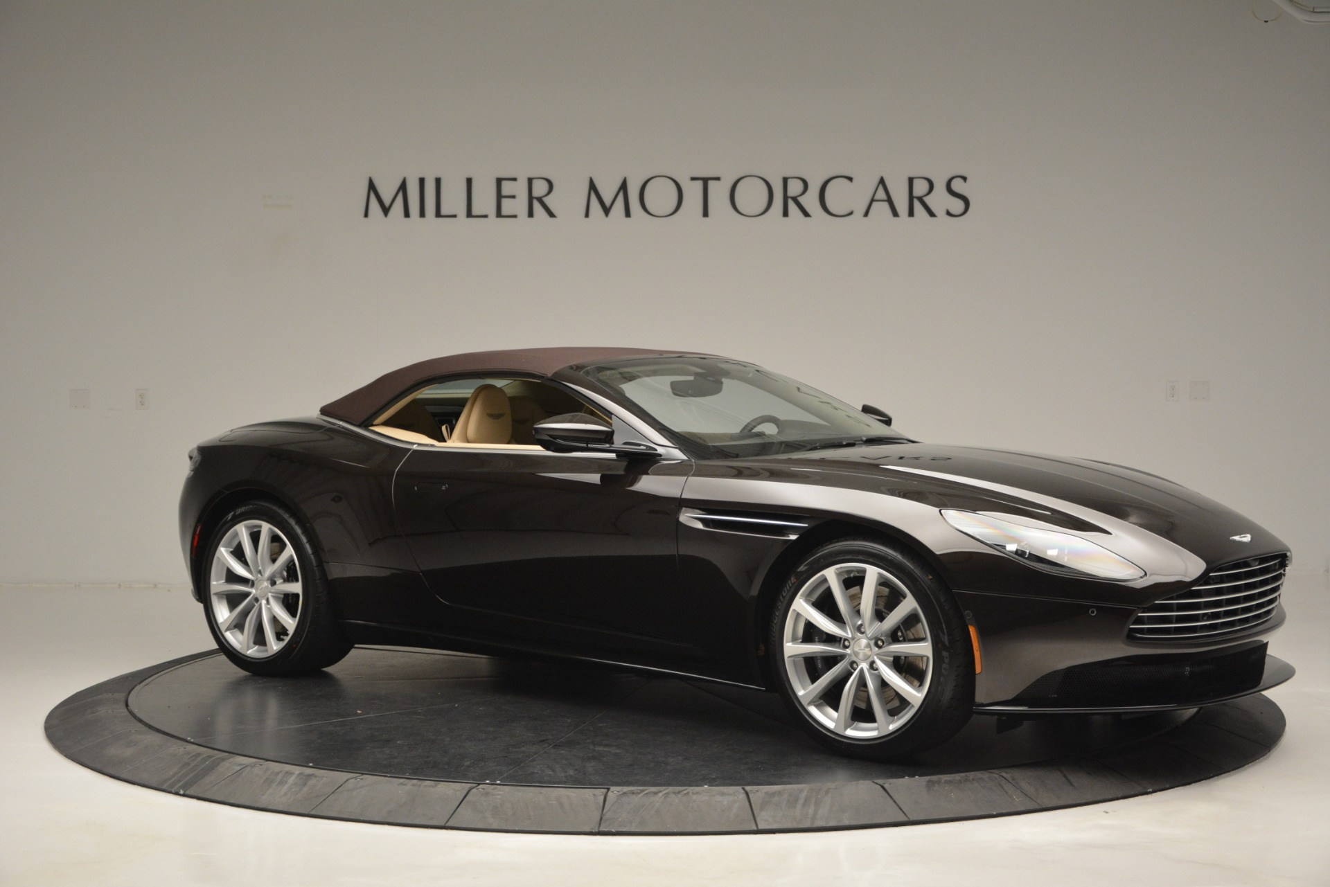 New 2019 Aston Martin DB11 Volante For Sale In Westport, CT 2905_p22
