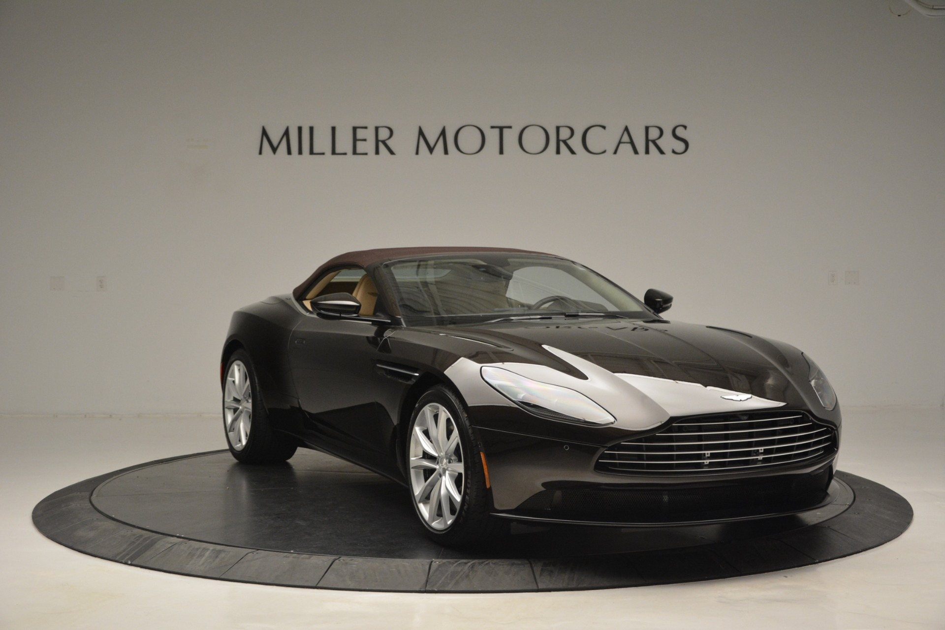 New 2019 Aston Martin DB11 Volante For Sale In Westport, CT 2905_p23