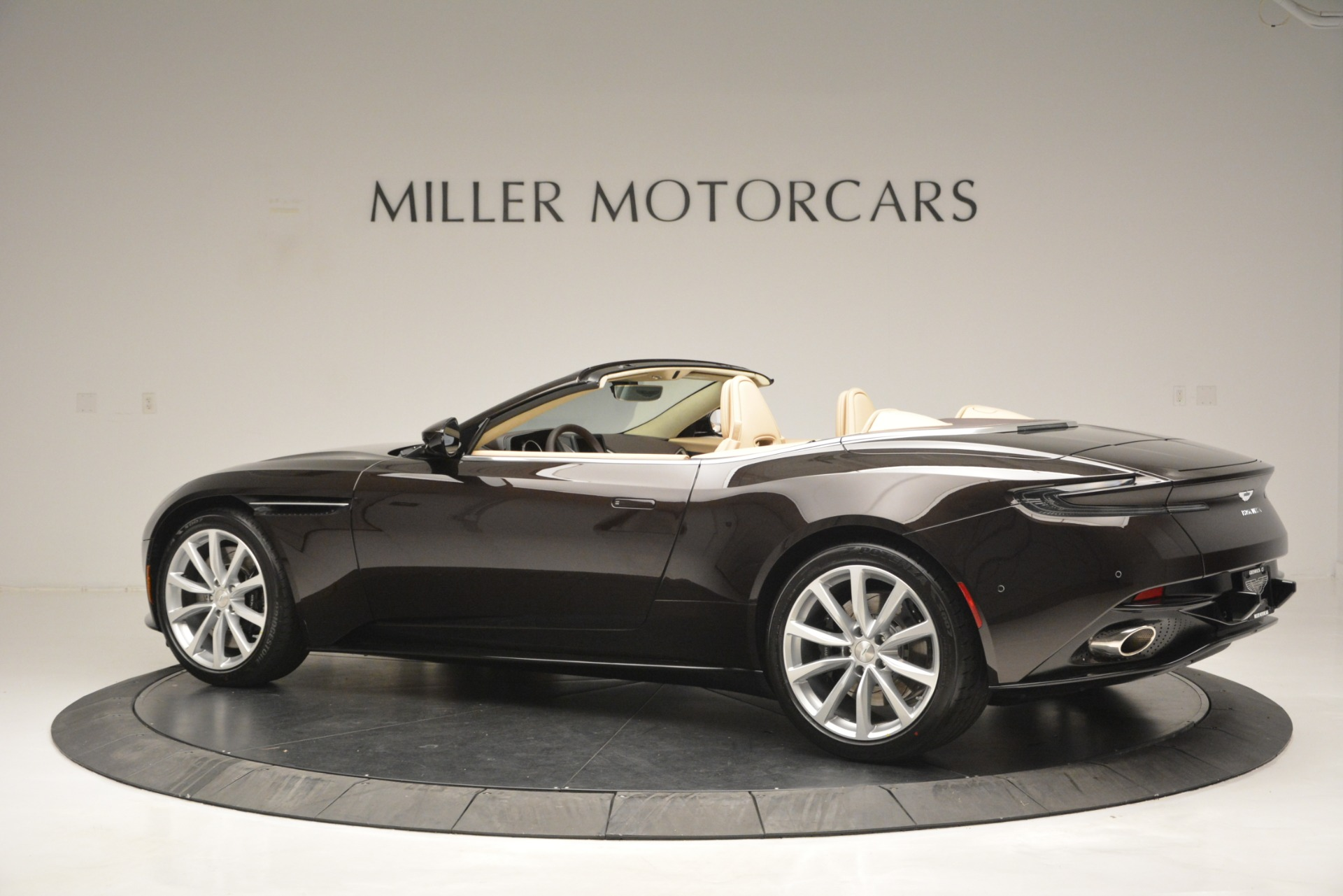 New 2019 Aston Martin DB11 Volante For Sale In Westport, CT 2905_p4