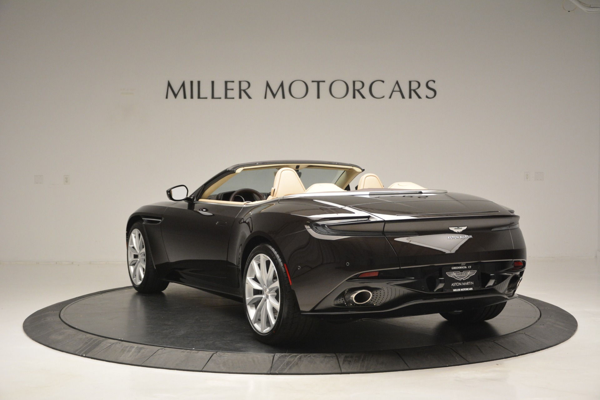 New 2019 Aston Martin DB11 Volante For Sale In Westport, CT 2905_p5