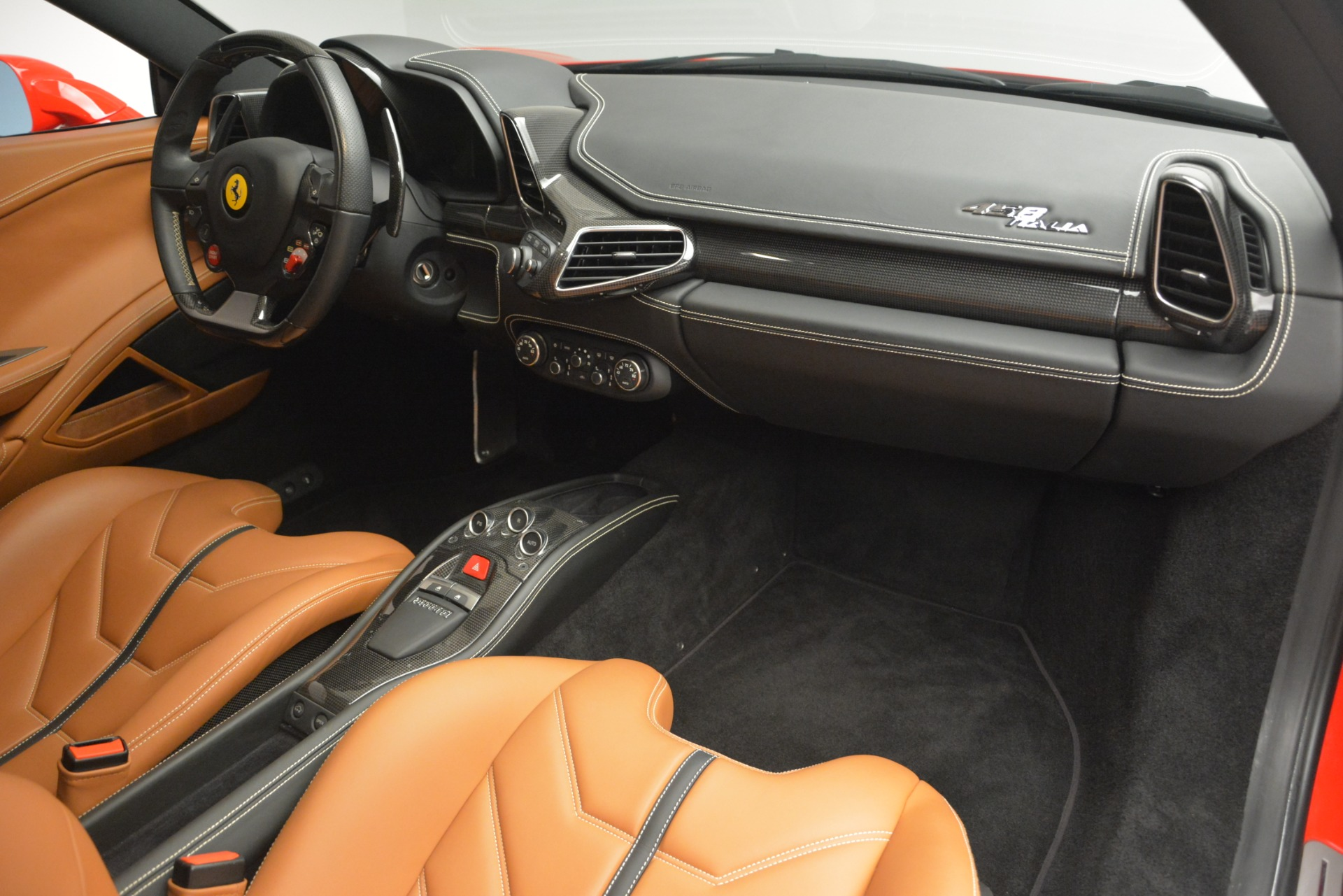 Used 2014 Ferrari 458 Italia  For Sale In Westport, CT 2920_p17