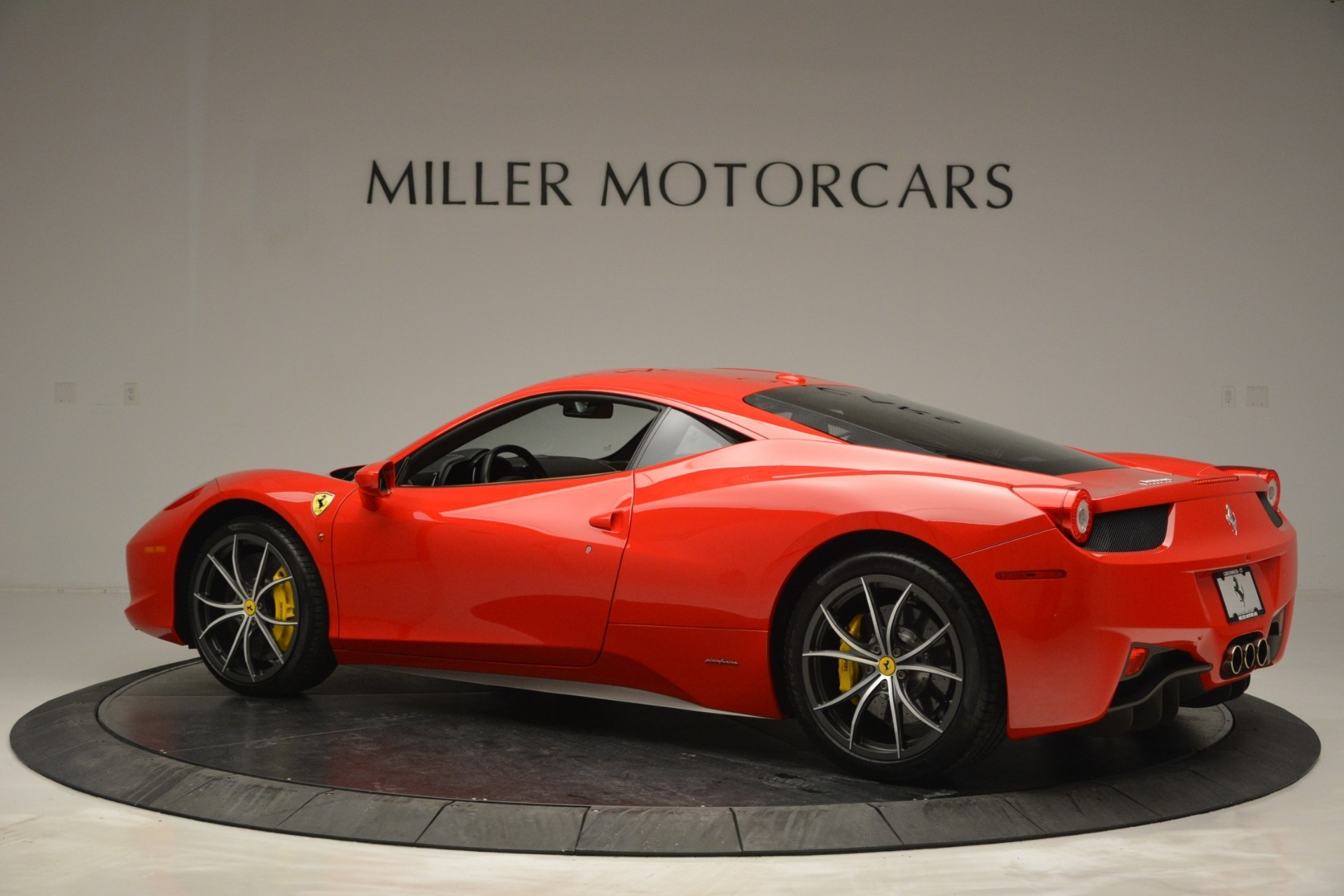 Used 2014 Ferrari 458 Italia  For Sale In Westport, CT 2920_p4