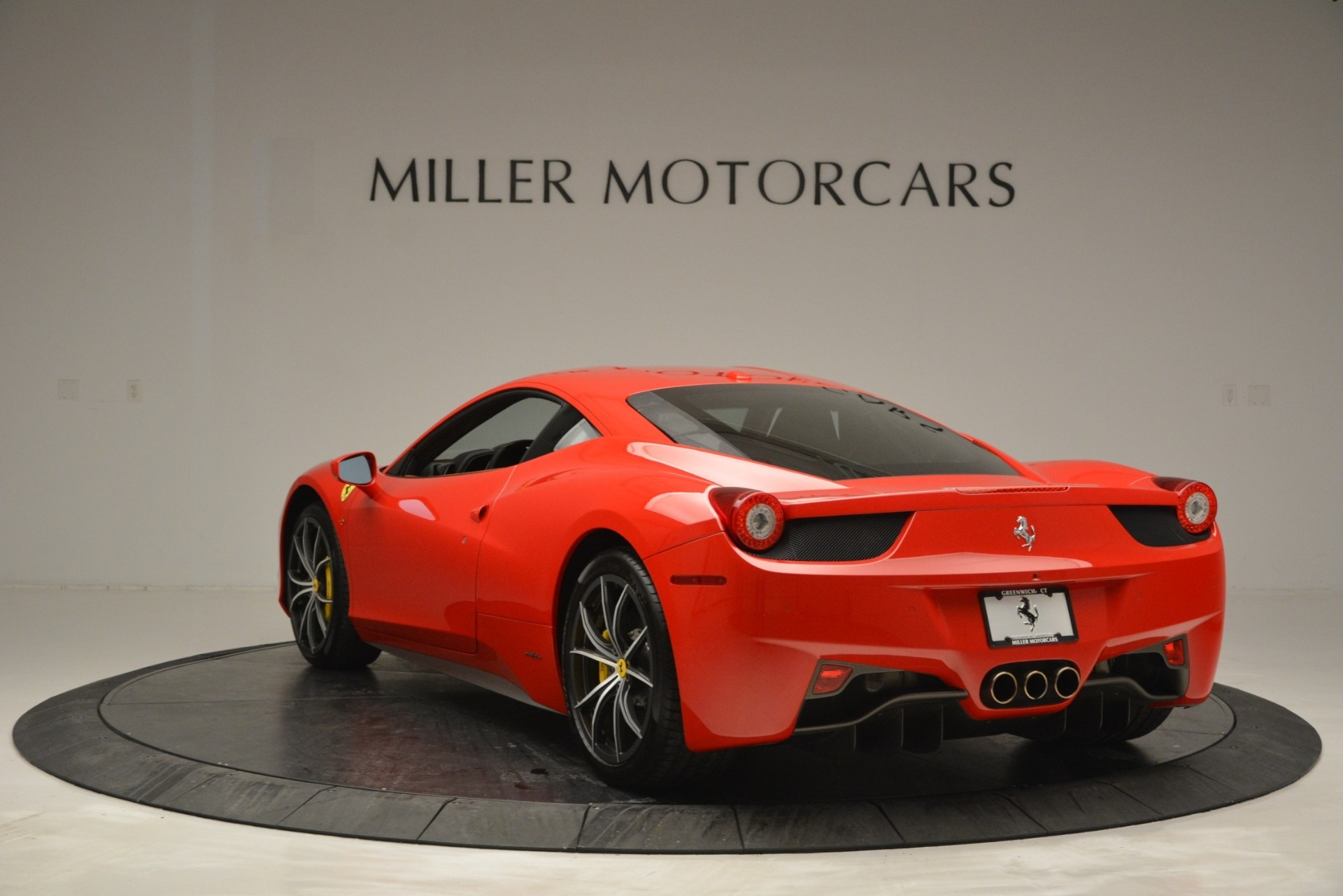 Used 2014 Ferrari 458 Italia  For Sale In Westport, CT 2920_p5