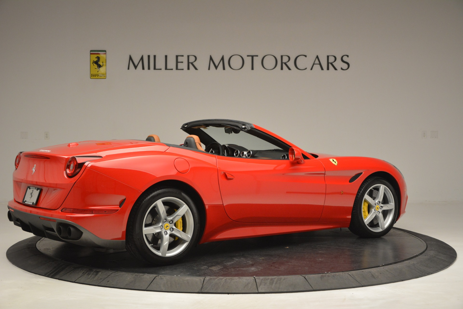 Used 2016 Ferrari California T Handling Speciale For Sale In Westport, CT 2921_p8