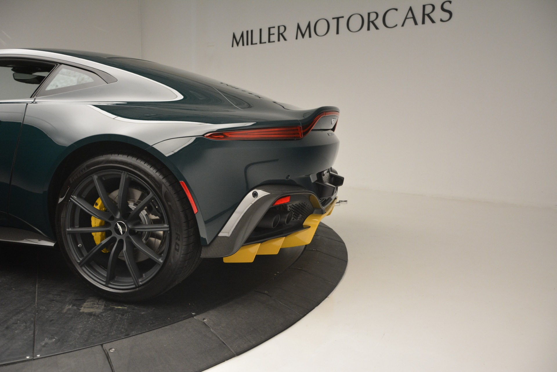 New 2019 Aston Martin Vantage Coupe For Sale In Westport, CT 2929_p17