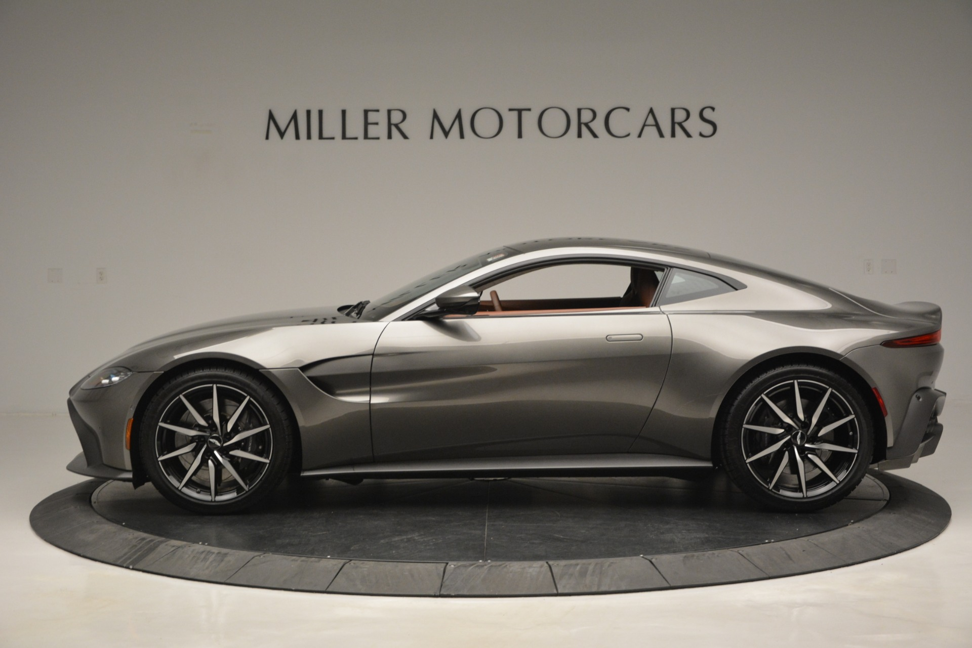 Used 2019 Aston Martin Vantage  For Sale In Westport, CT 2932_p2