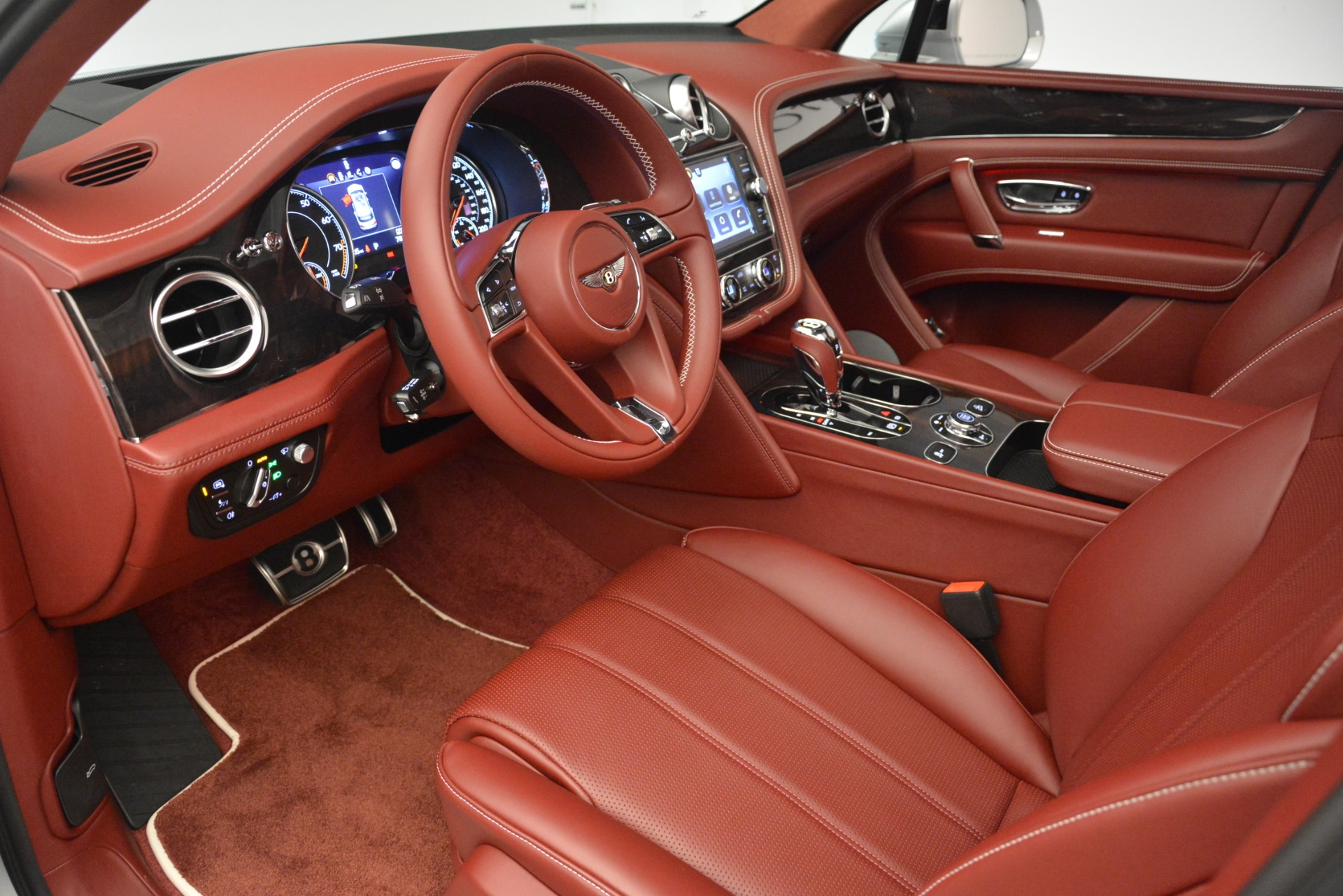 New 2019 Bentley Bentayga V8 For Sale In Westport, CT 2935_p17