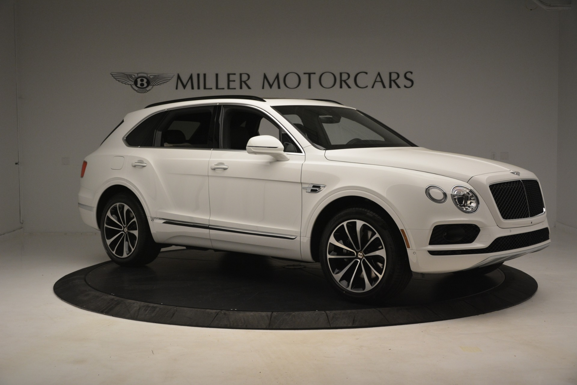 New 2019 Bentley Bentayga V8 For Sale In Westport, CT 2937_p10