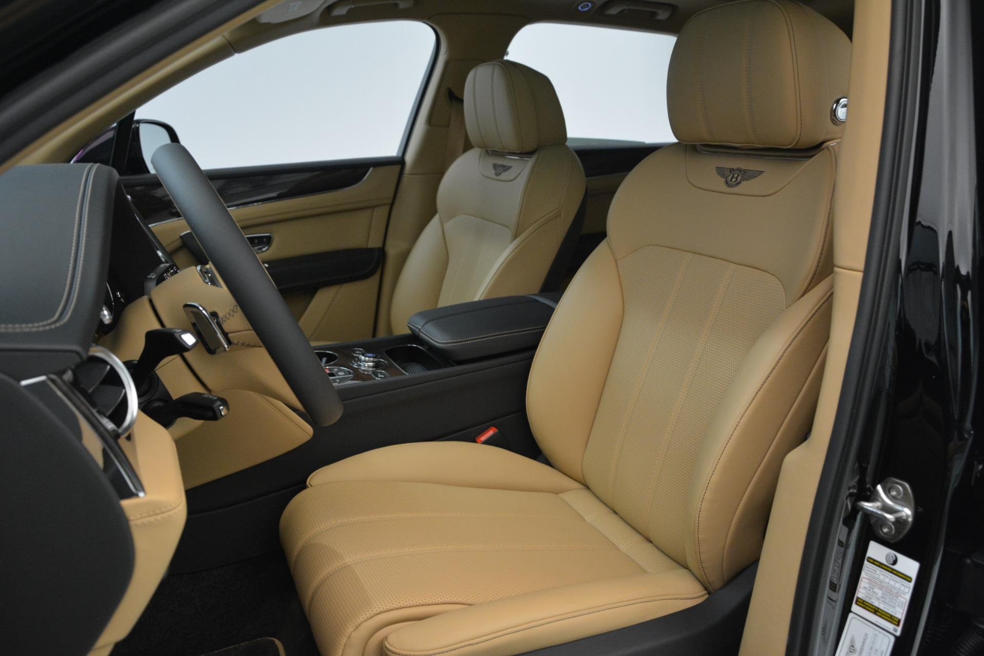 New 2019 Bentley Bentayga V8 For Sale In Westport, CT 2939_p15
