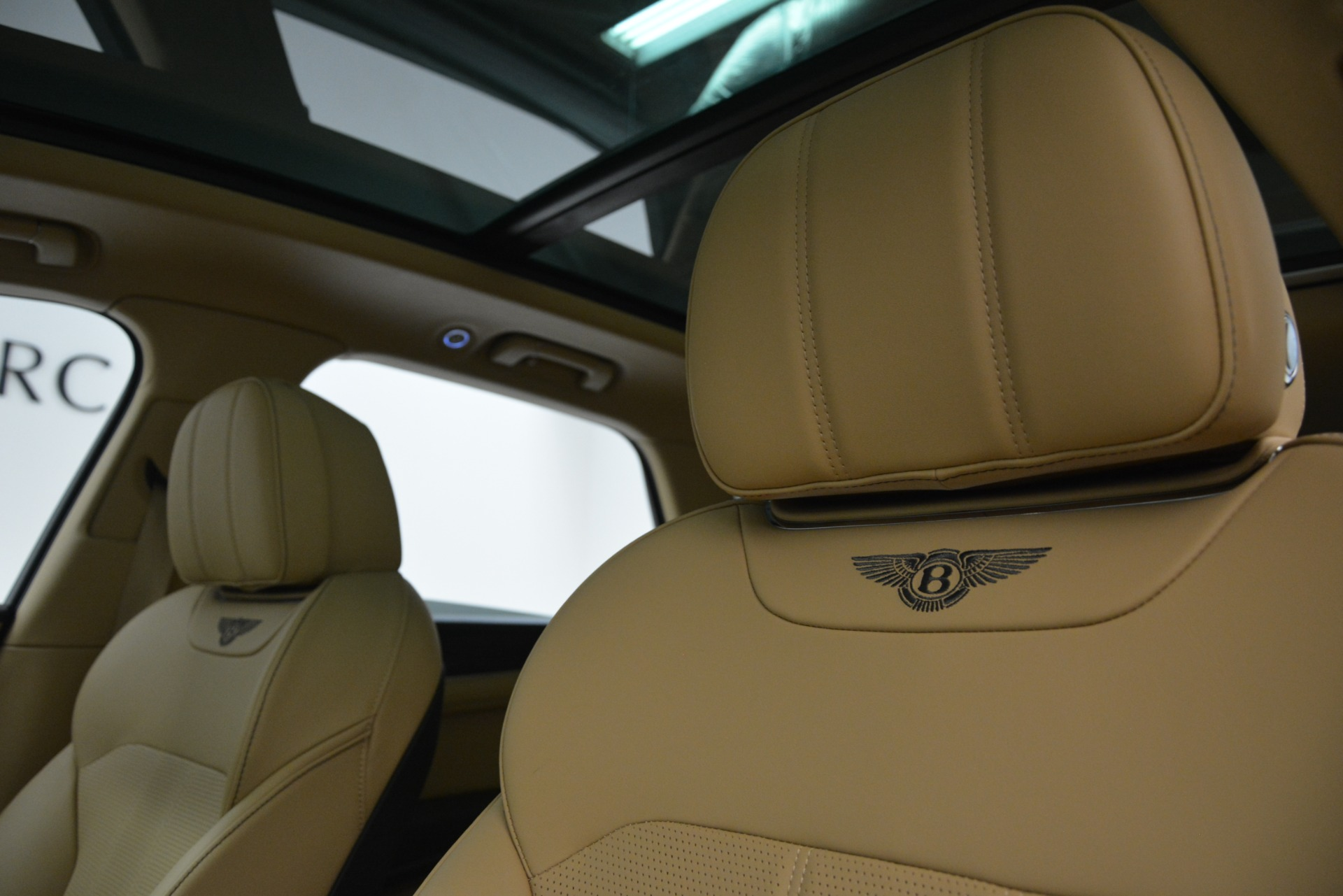 New 2019 Bentley Bentayga V8 For Sale In Westport, CT 2939_p16