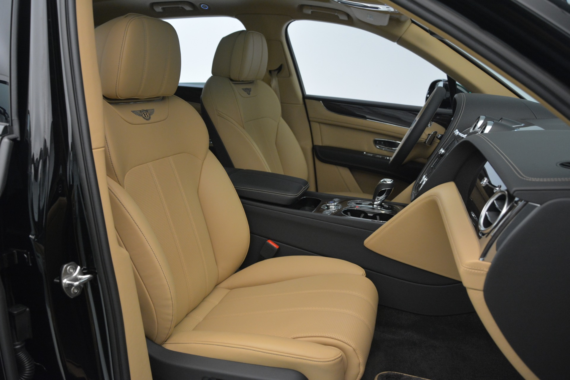 New 2019 Bentley Bentayga V8 For Sale In Westport, CT 2939_p23
