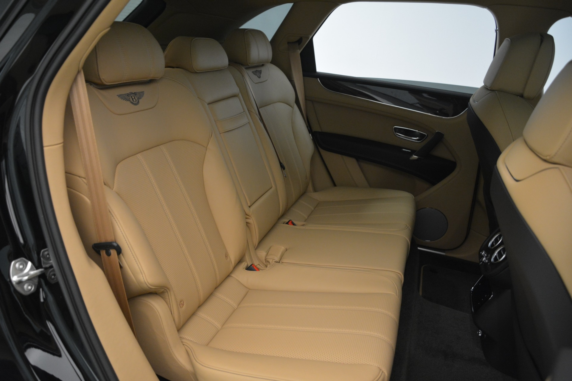 New 2019 Bentley Bentayga V8 For Sale In Westport, CT 2939_p26